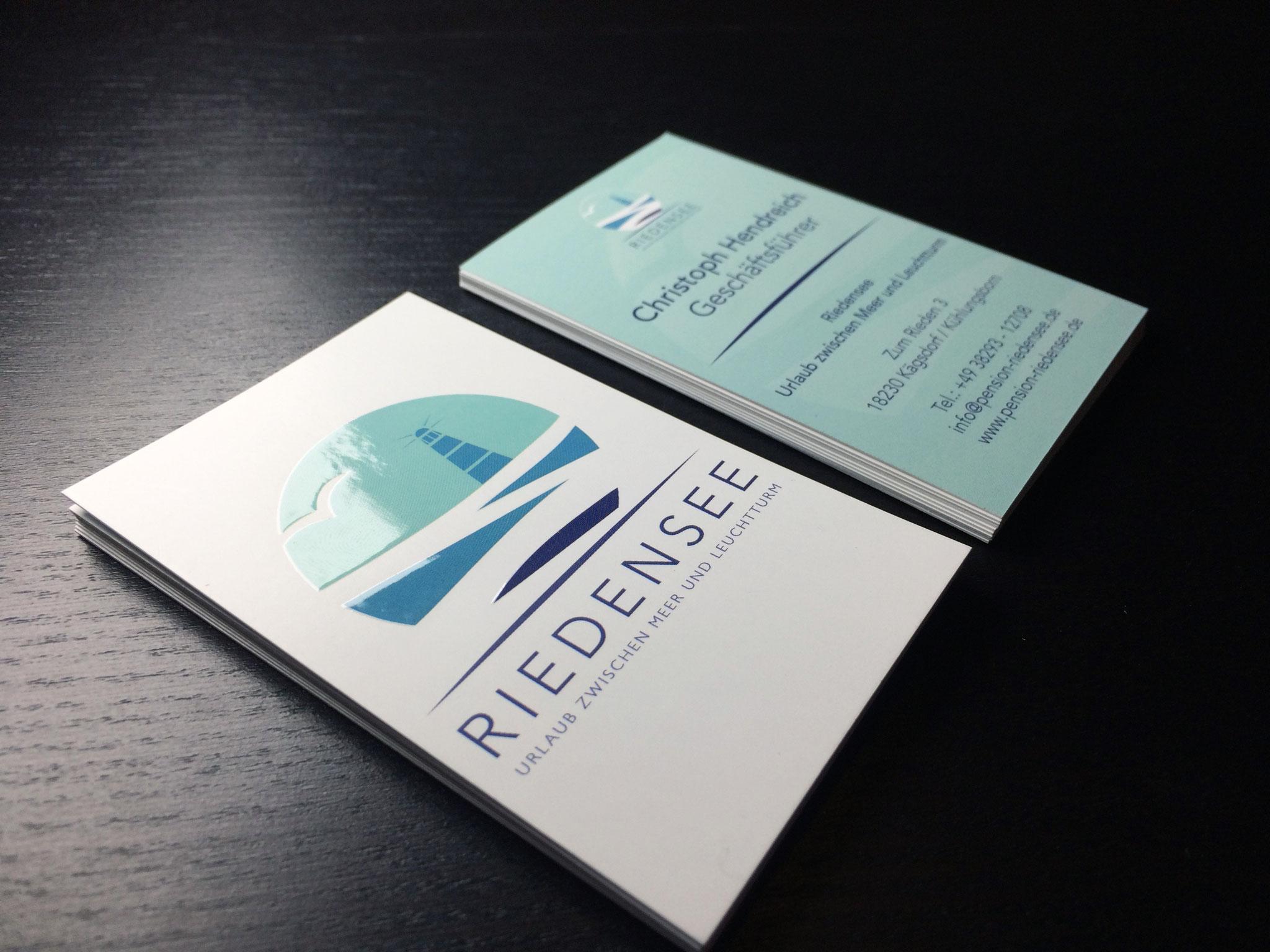 Gestaltung Visitenkarten mit Reliefdruck-Veredelung im Corporate Design