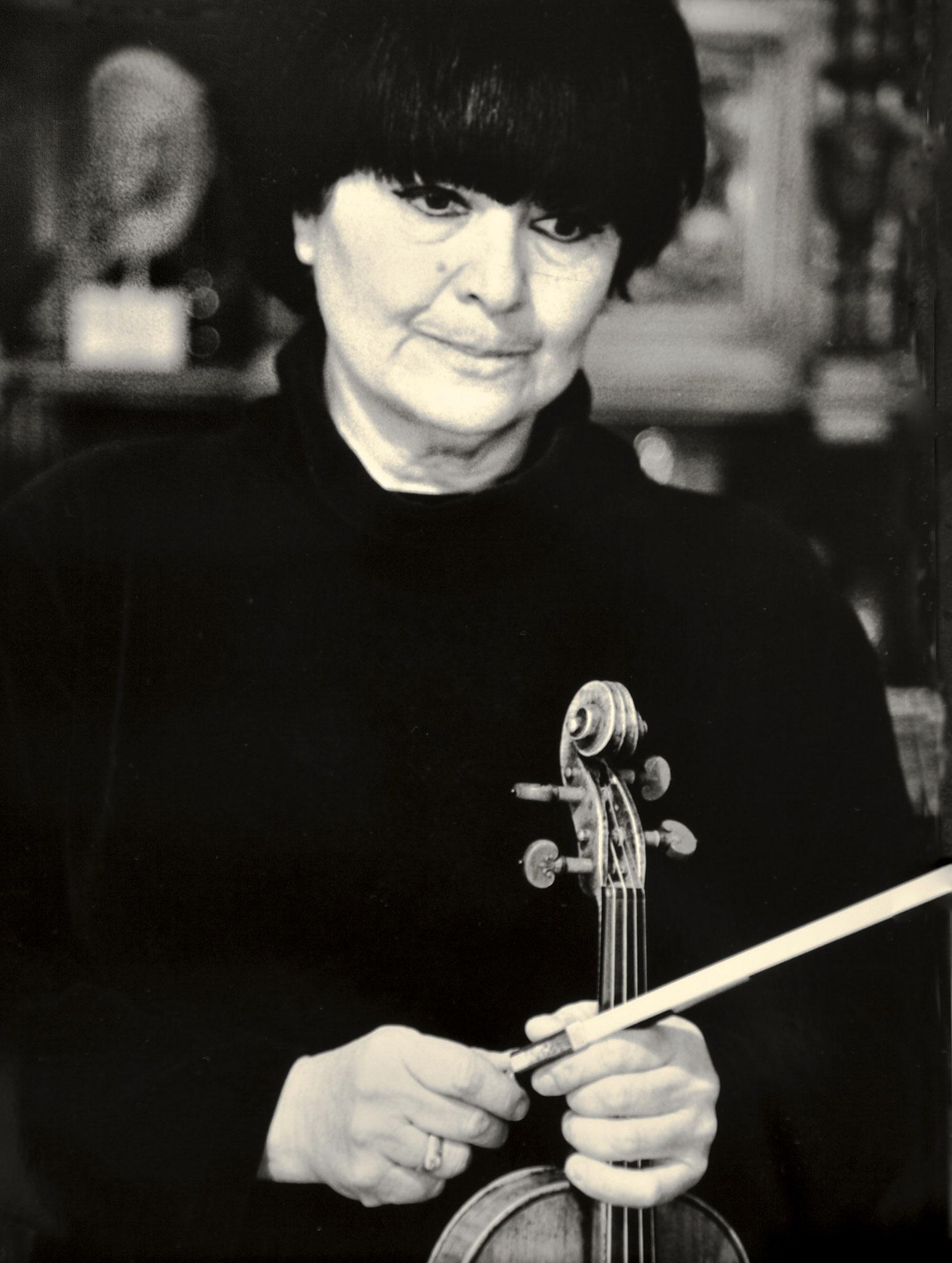 Liana Isakaze, Dirigentin, Georgien