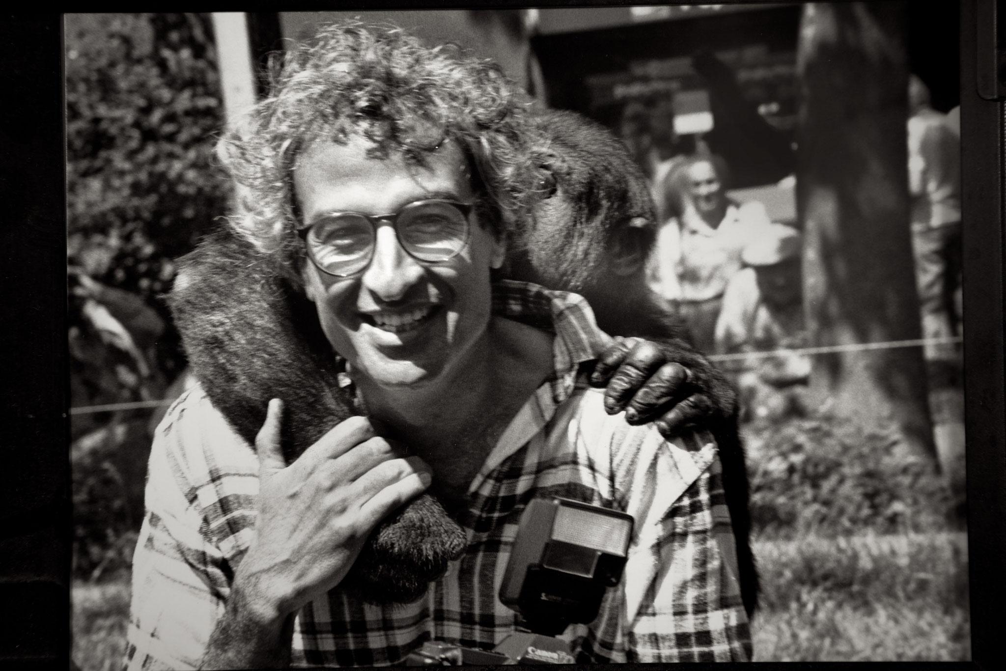 Selbstporträt mit Gorillababy