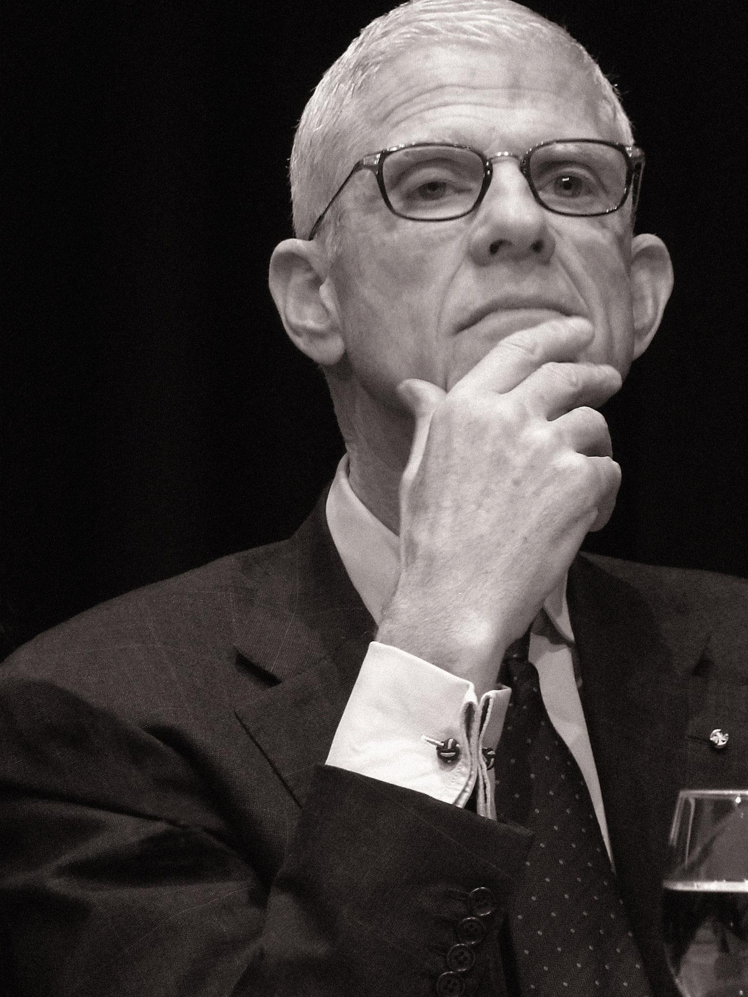Sir Peter Jonas, Operintendant