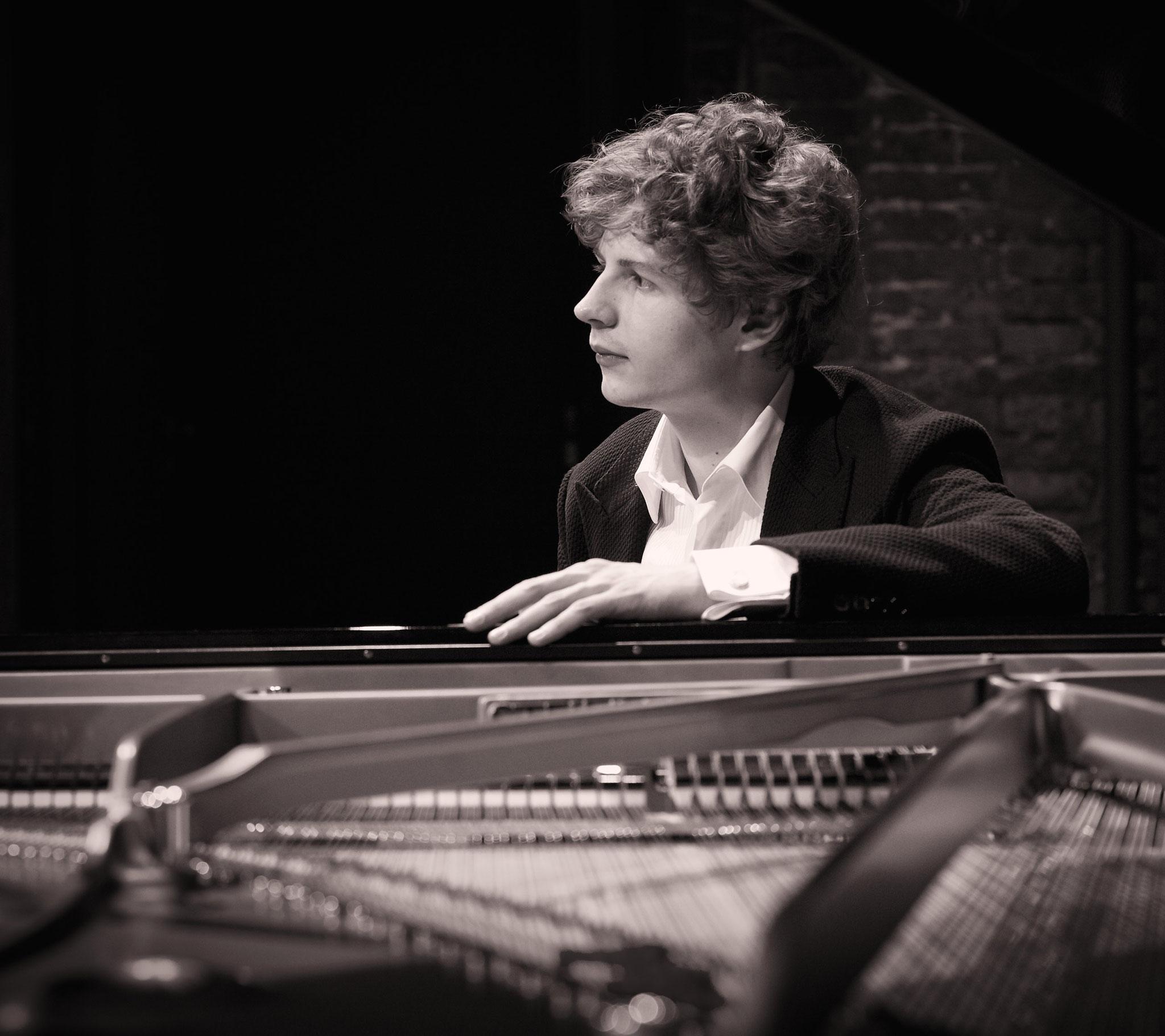 Pavel Koleshnikov, Pianist