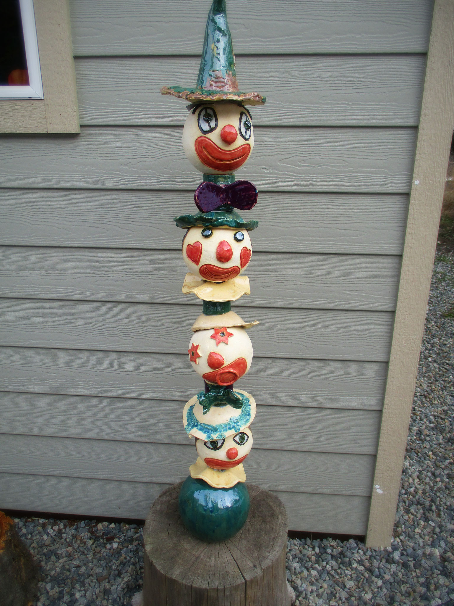 Clown Totem at the entrance