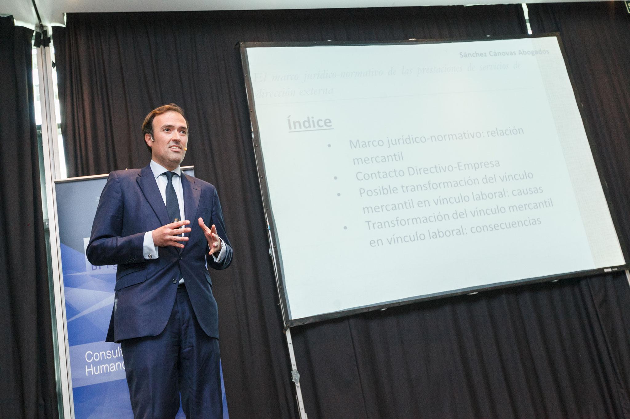 El marco jurídico-normativo de las prestaciones de servicios de dirección externa | Alejandro Sánchez Raymundo - Socio Bufete Sánchez Cánovas