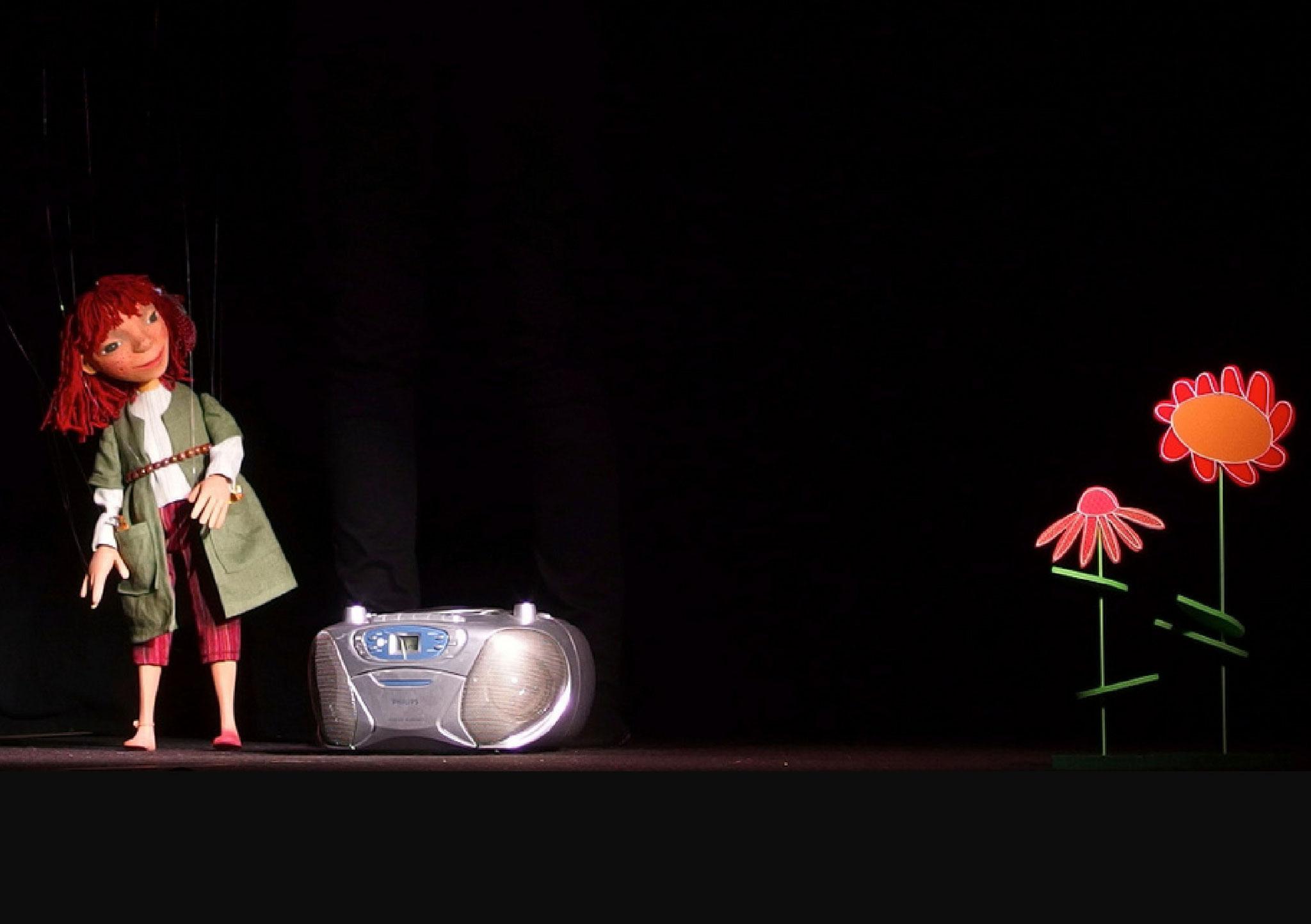 ...oder mit einer eigenen Szene. Mehrere Szenen werden zu einem Szenenprogramm zusammengefasst und bilden damit eine Aufführung