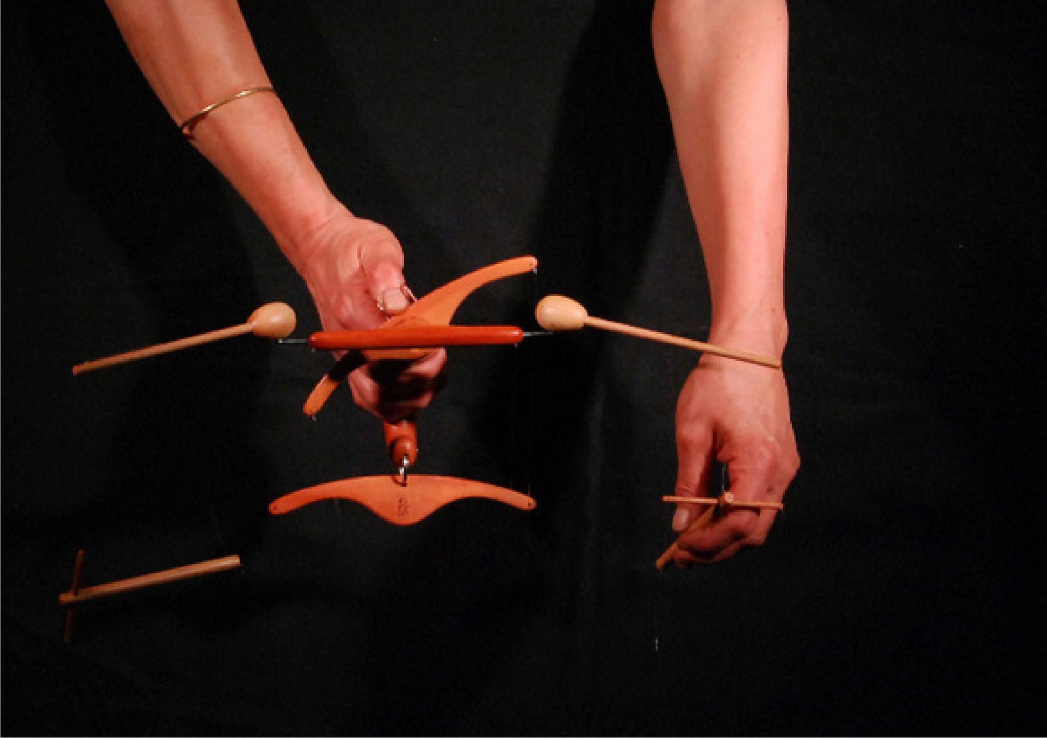 Das PendelSpielkreuz liegt gut in der Hand und ermöglicht auf einfache Weise verblüffend natürliche Bewegungsabläufe.
