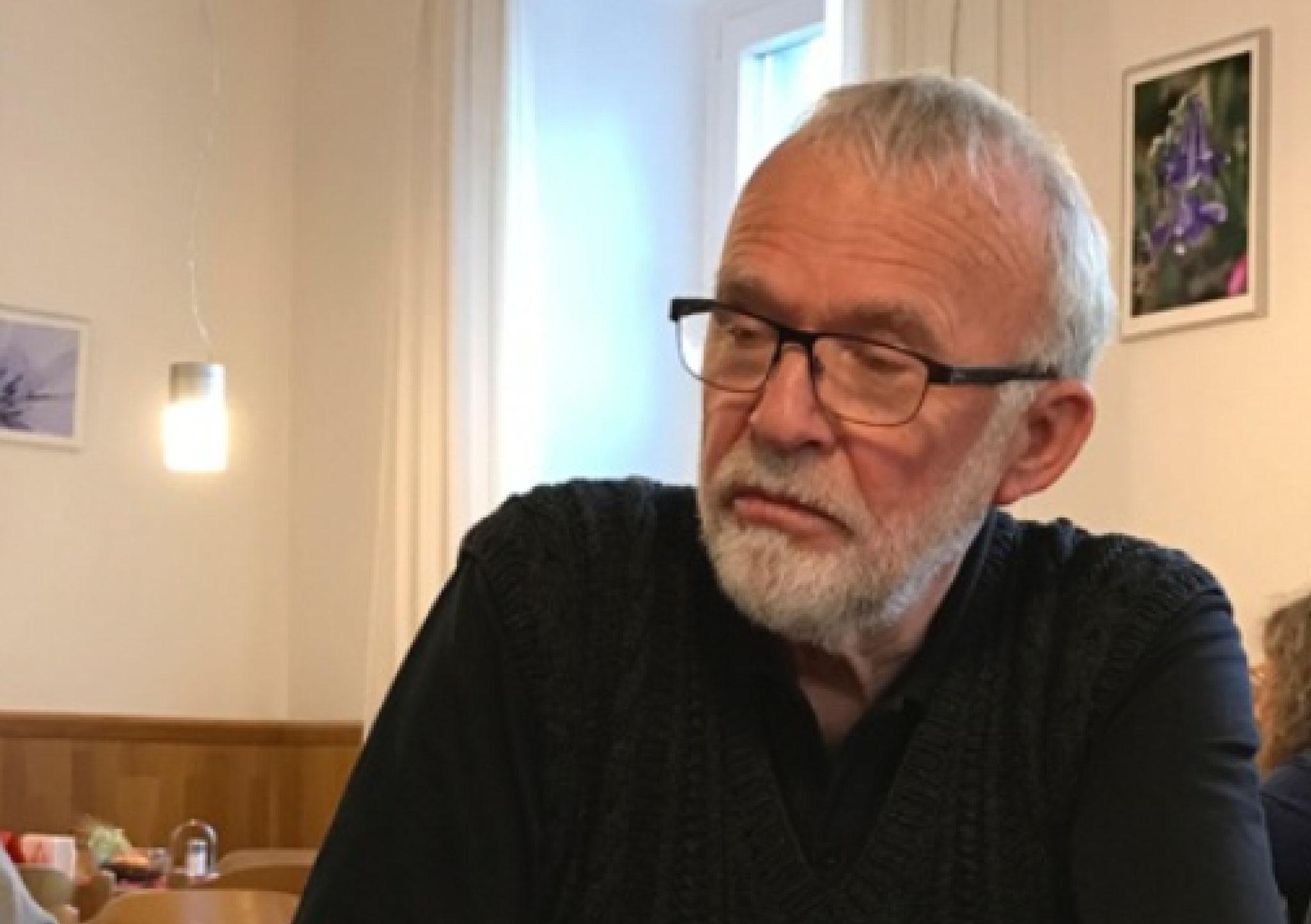 Roland Hader...