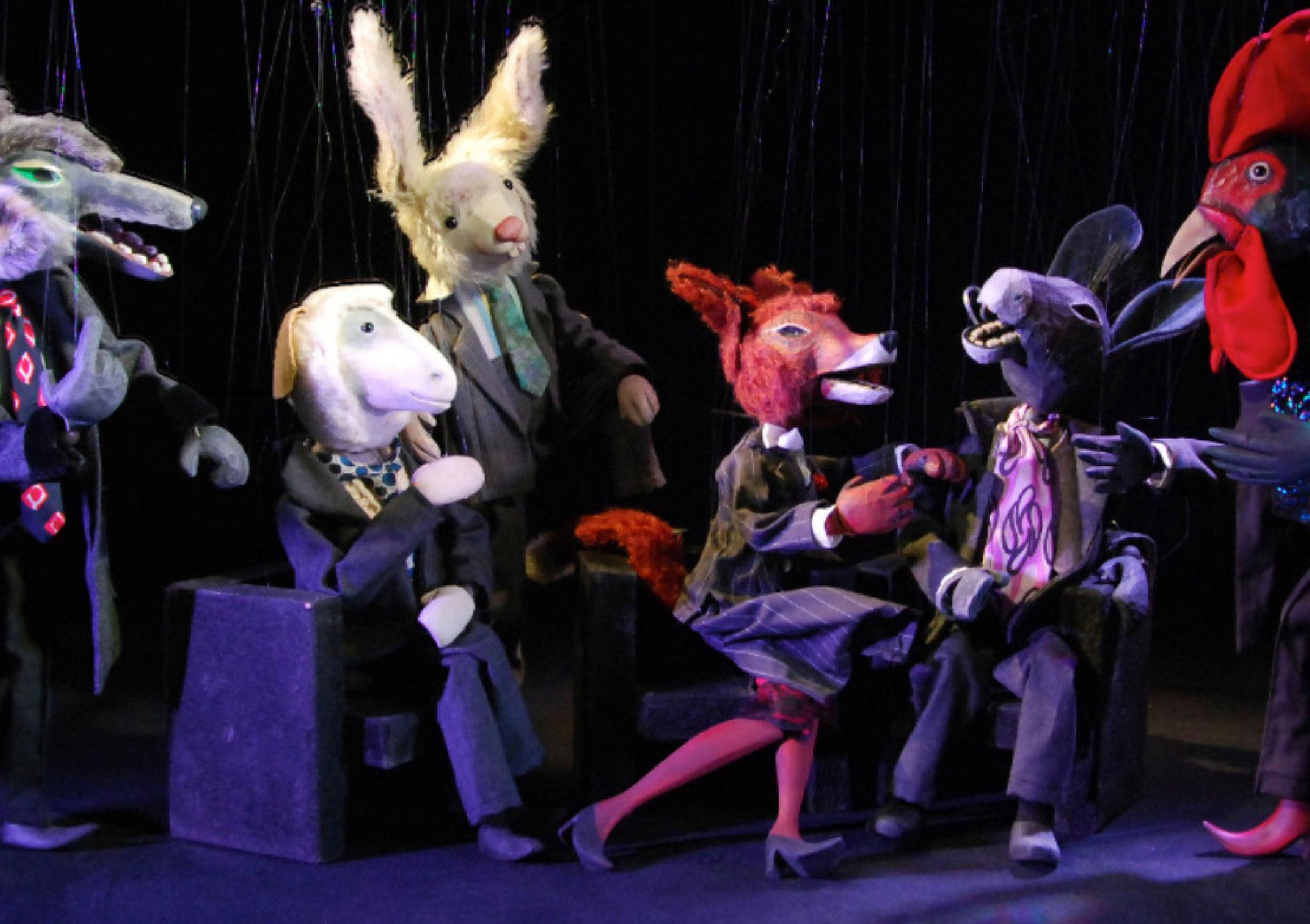 Zur Aufführung kommen Kindergeschichten, Fabeln, Märchen und Mythen bis hin zu literarischen Werken und der satirischen Aufbereitung zeitgenössischer Themen.