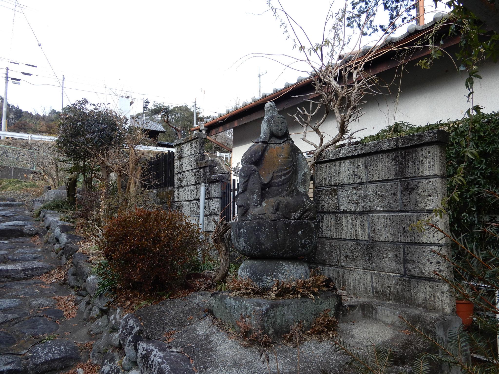 祥禅寺参道入り口