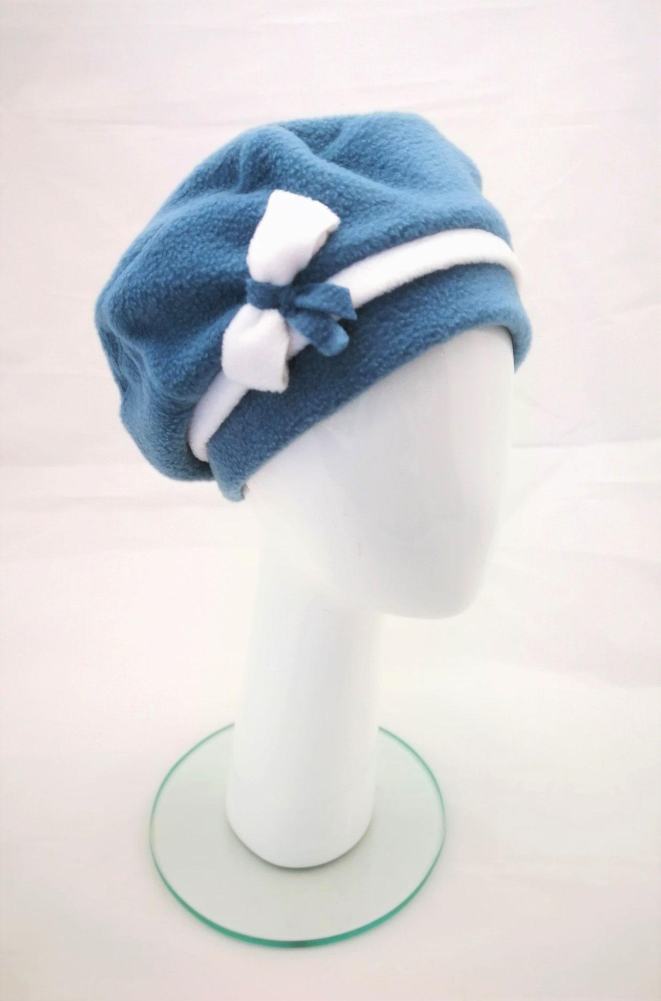 Kuschelige Mütze aus Polarfleece mit Innenfutter aus Viskose.  Manufakturarbeit :-) 49,90 € - bestellbar in vielen Farben...fragen Sie einfach nach