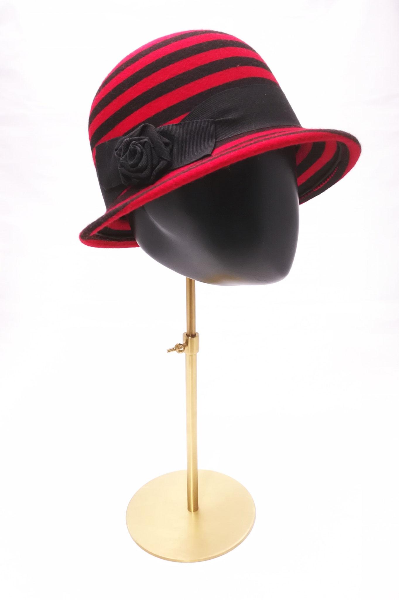 elegante Filzcloche, Einzelstück, Manufakturarbeit, bestellbar - Preis 189,90 €
