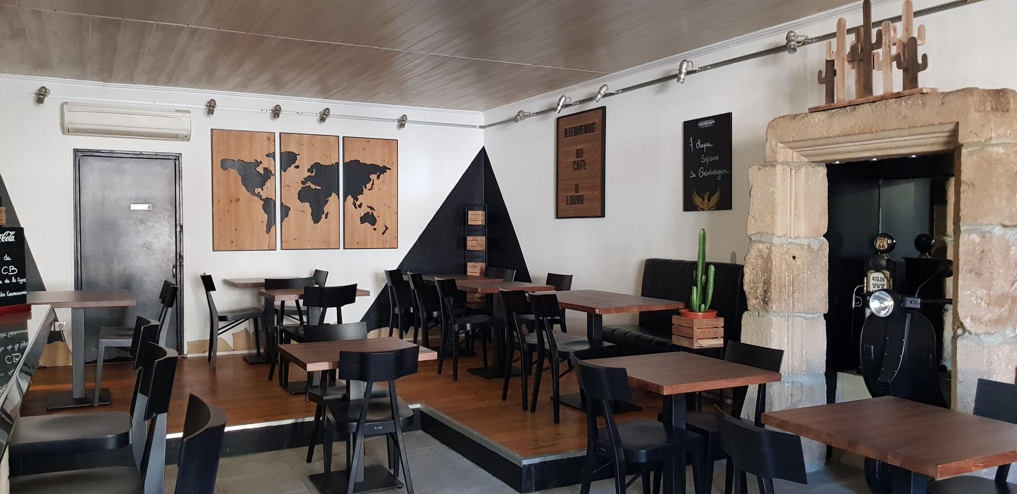 CAFÉ LE LOUVRE - Bar Restaurant Glacier - 16 Place du Bosquet - 04 66 46 12 44