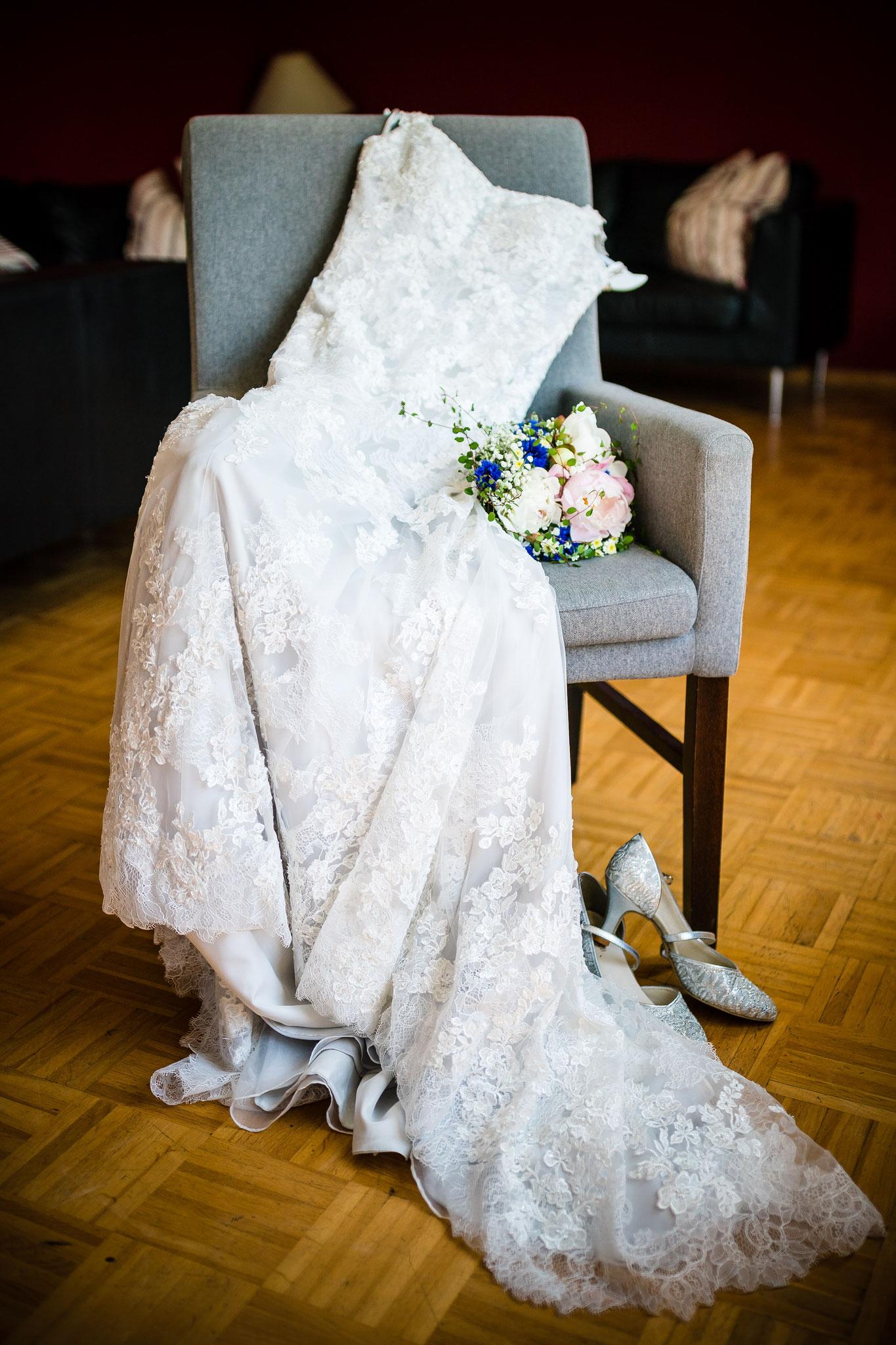 Hochzeitskleid vor dem Getting Ready