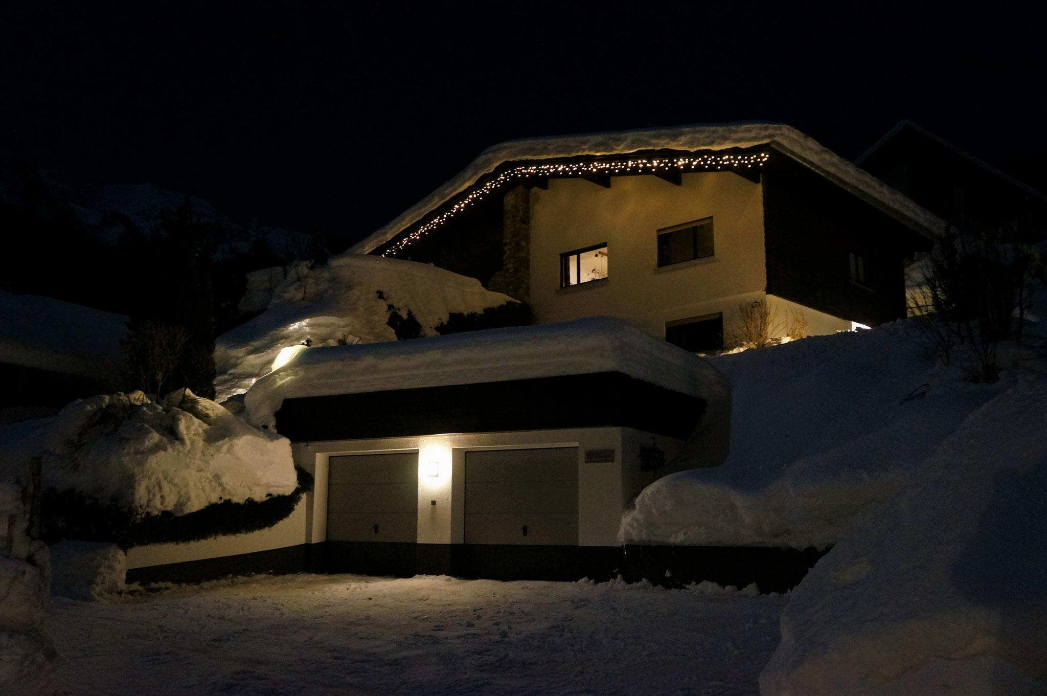 Außenansicht Winternacht