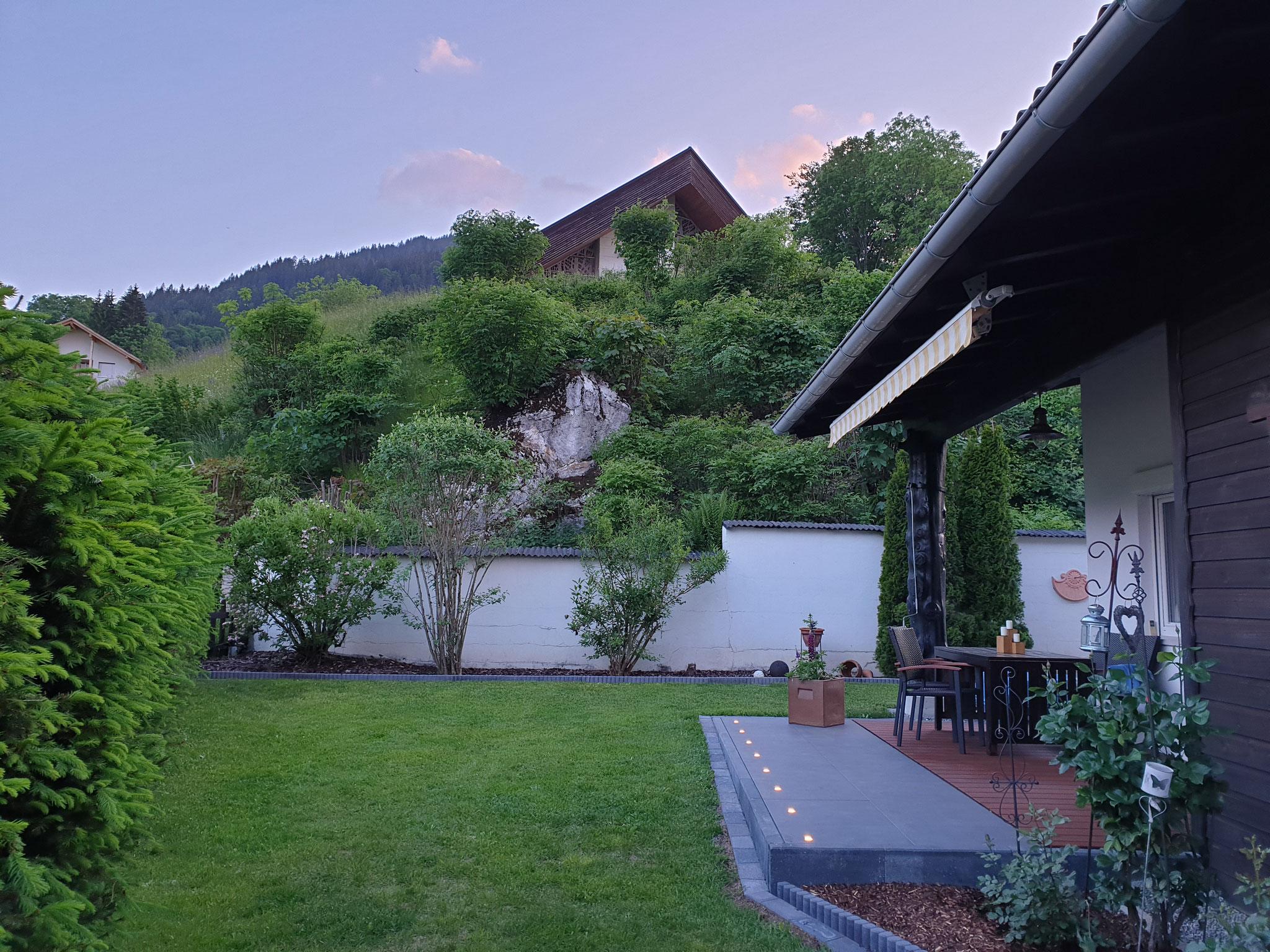 Gaerten mit Terrasse 1 Sommer
