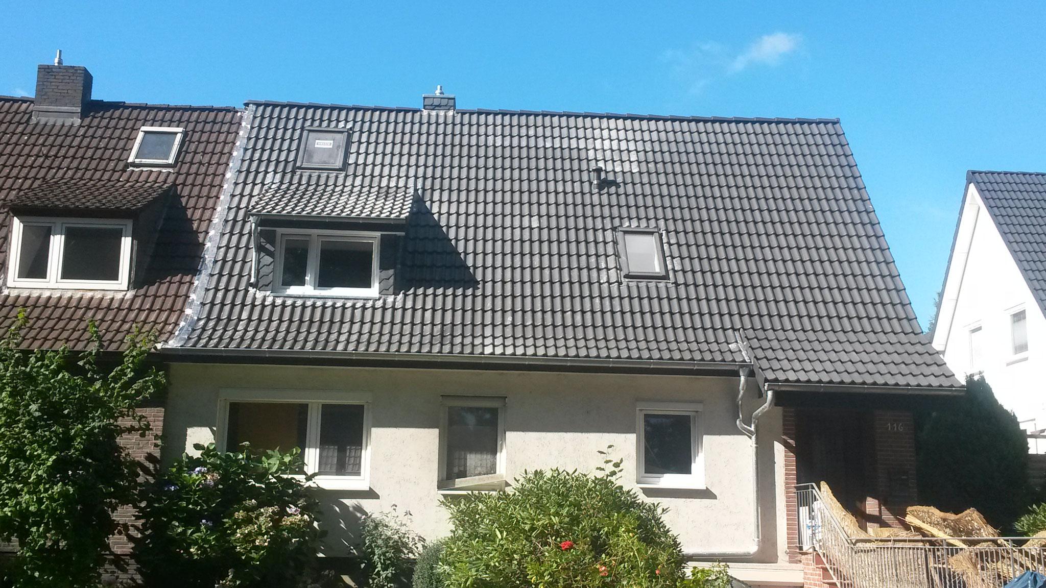 Dacheindeckung mit Betondachstein - Braas Doppel S, granit