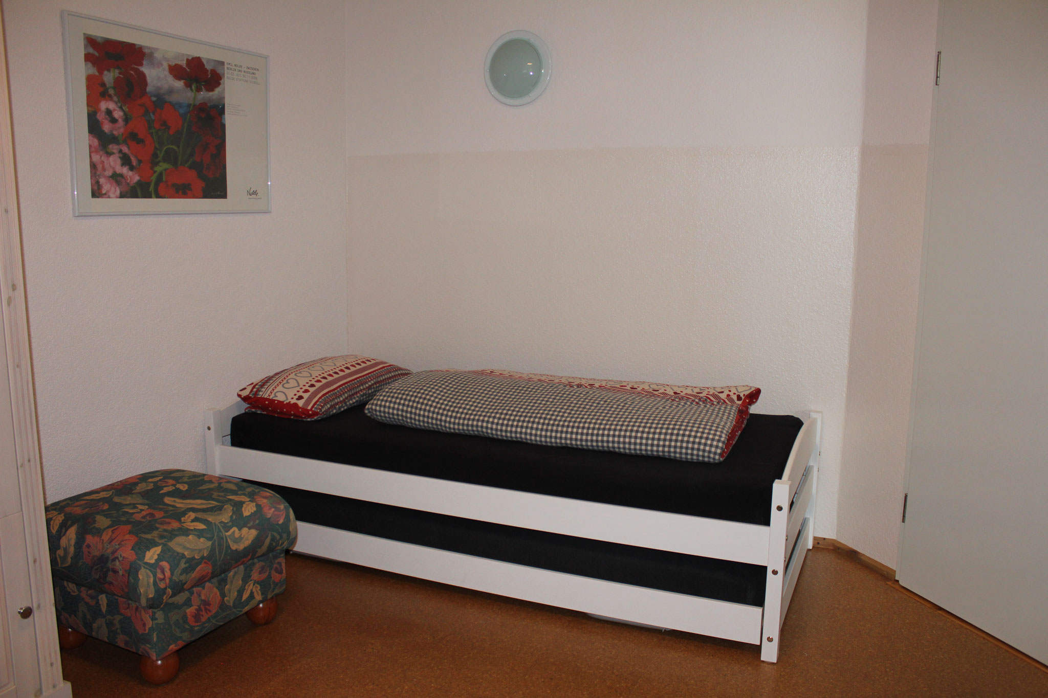 Einzelbett/ Single bed (200 x 90 cm)