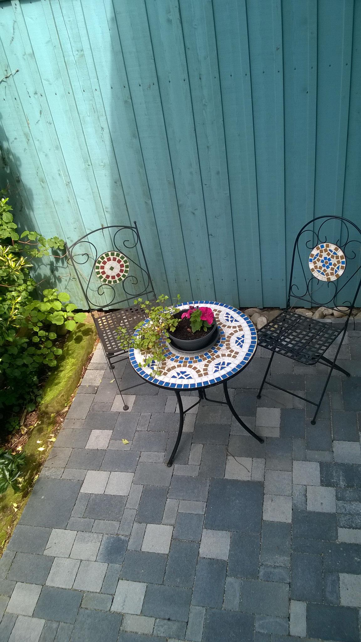 gemütliche Terrasse/ cozy terrace