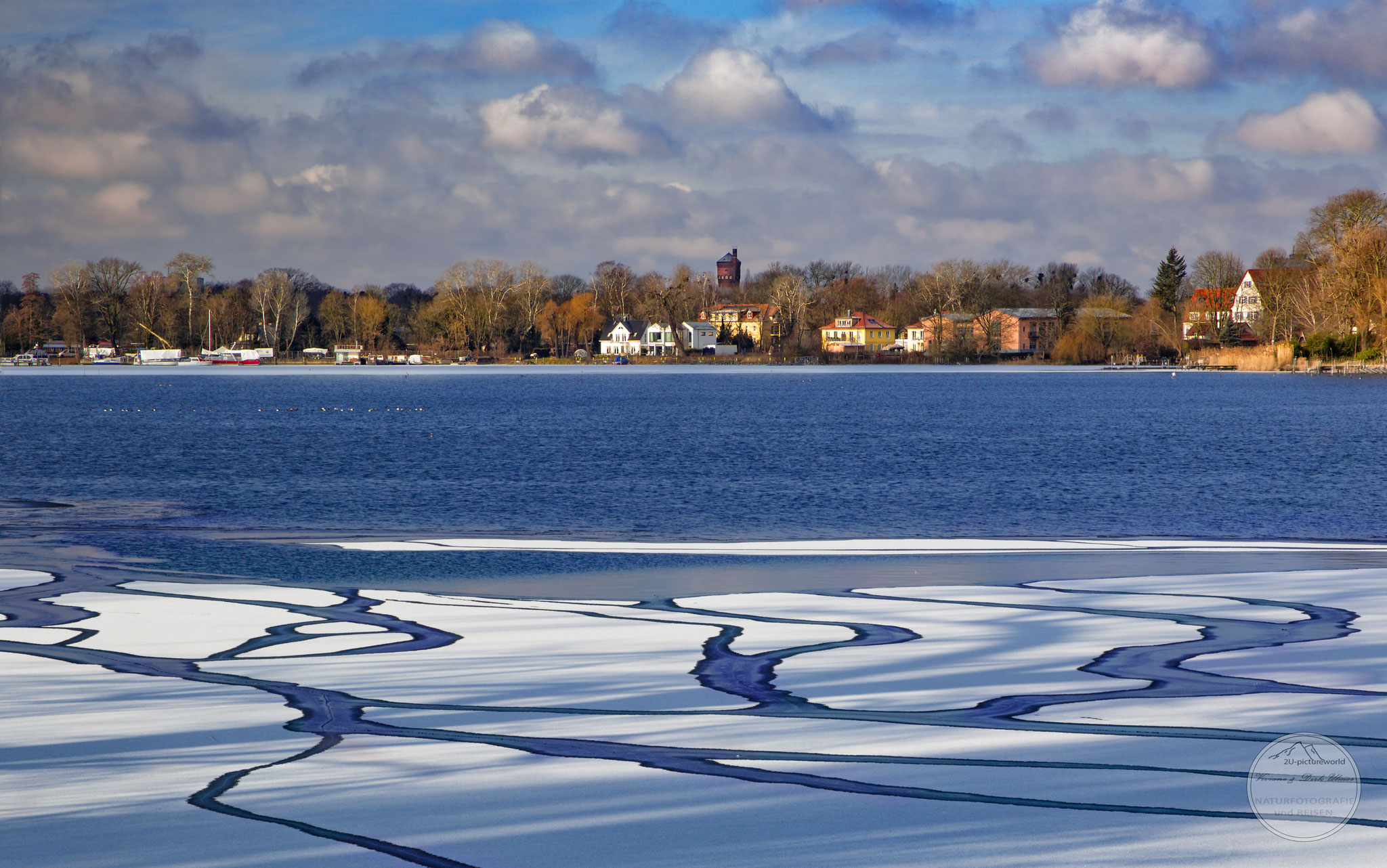 "Bild: Havelbucht, Potsdam, ""ice ways to the island"", www.2u-pictureworld.de"