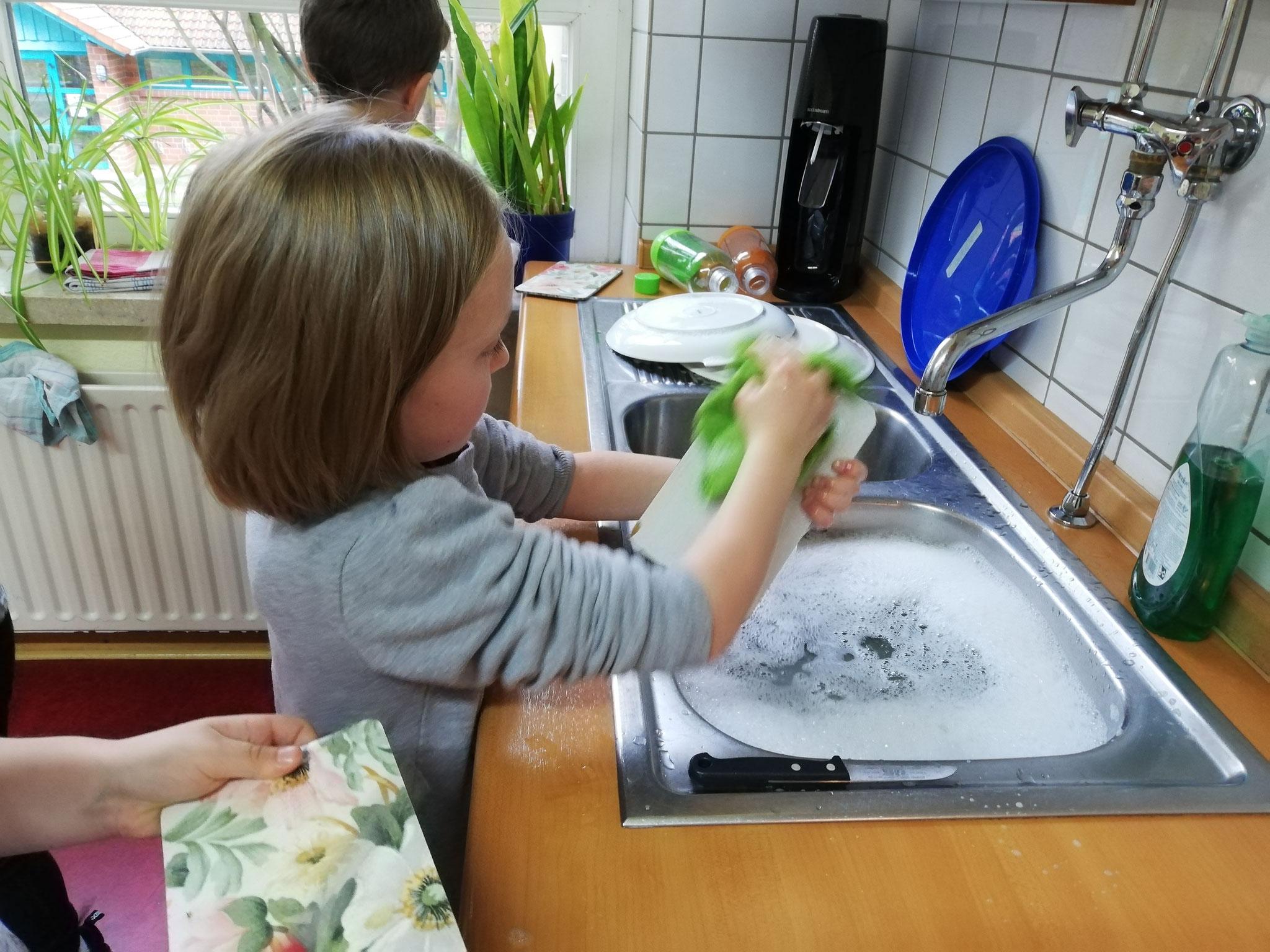 Zum Schluss muss natürlich auch der Abwasch erledigt werden!
