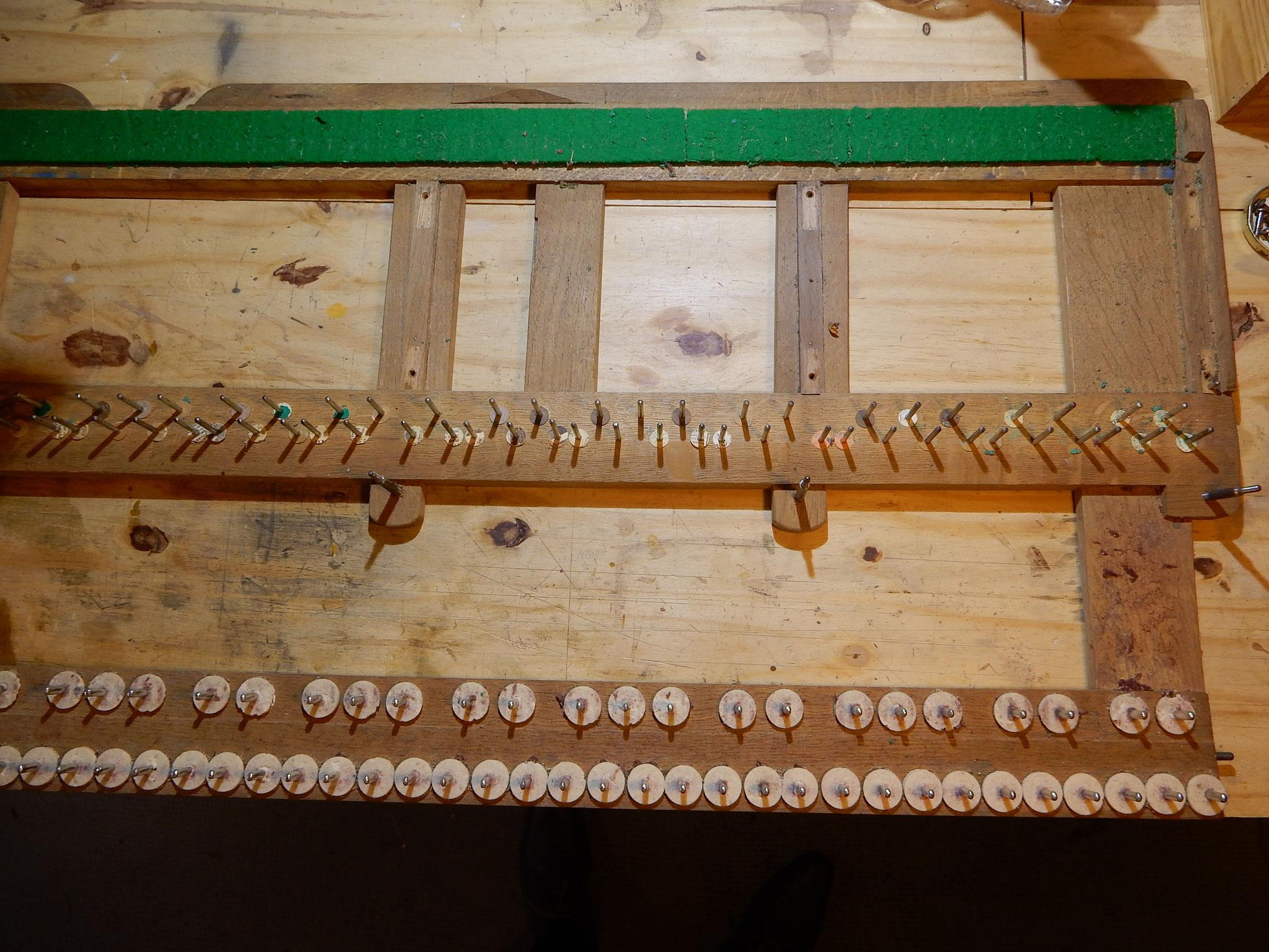 Chassis de clavier (sous les touches)