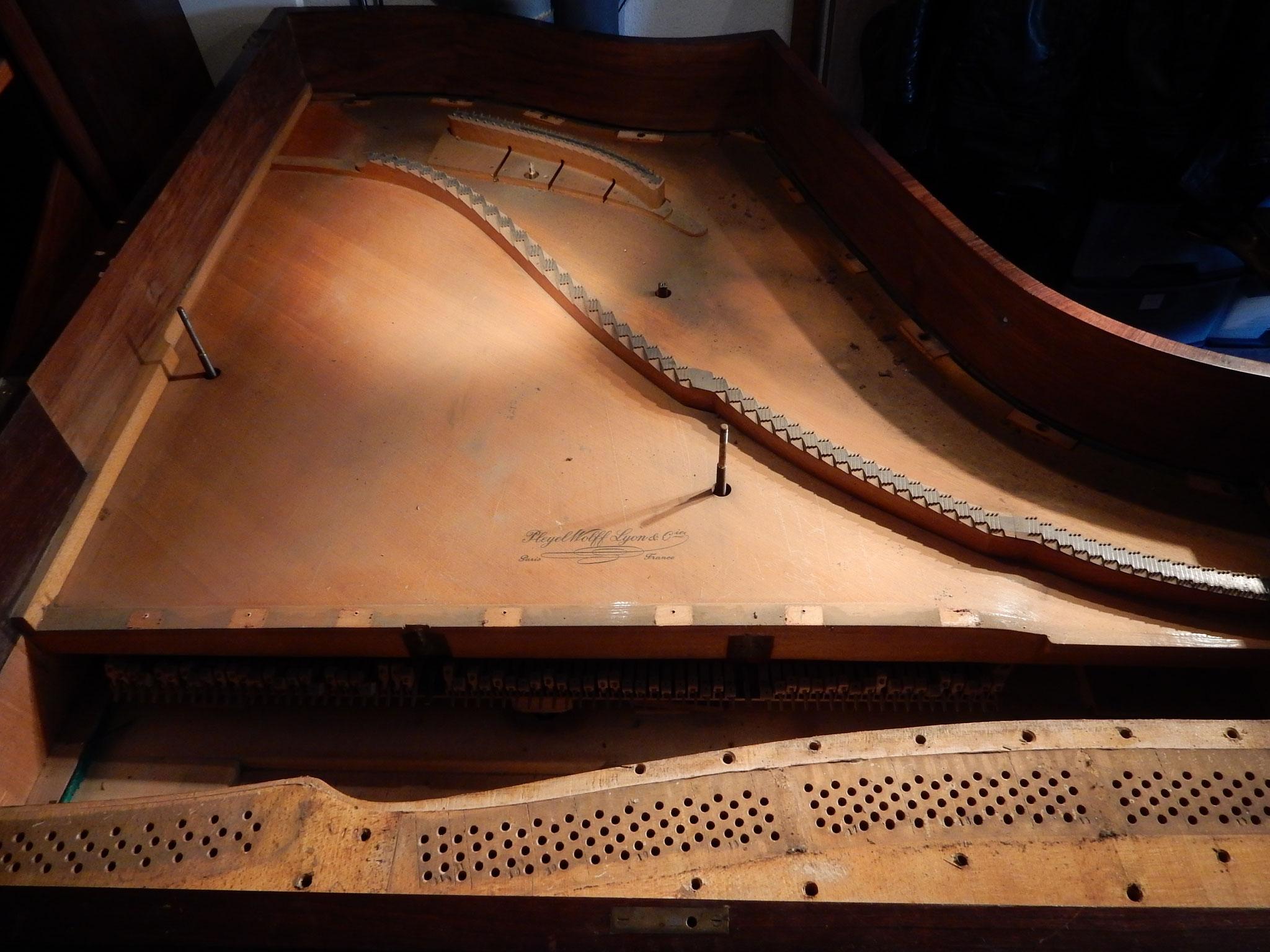 Table d'harmonie avant restauration