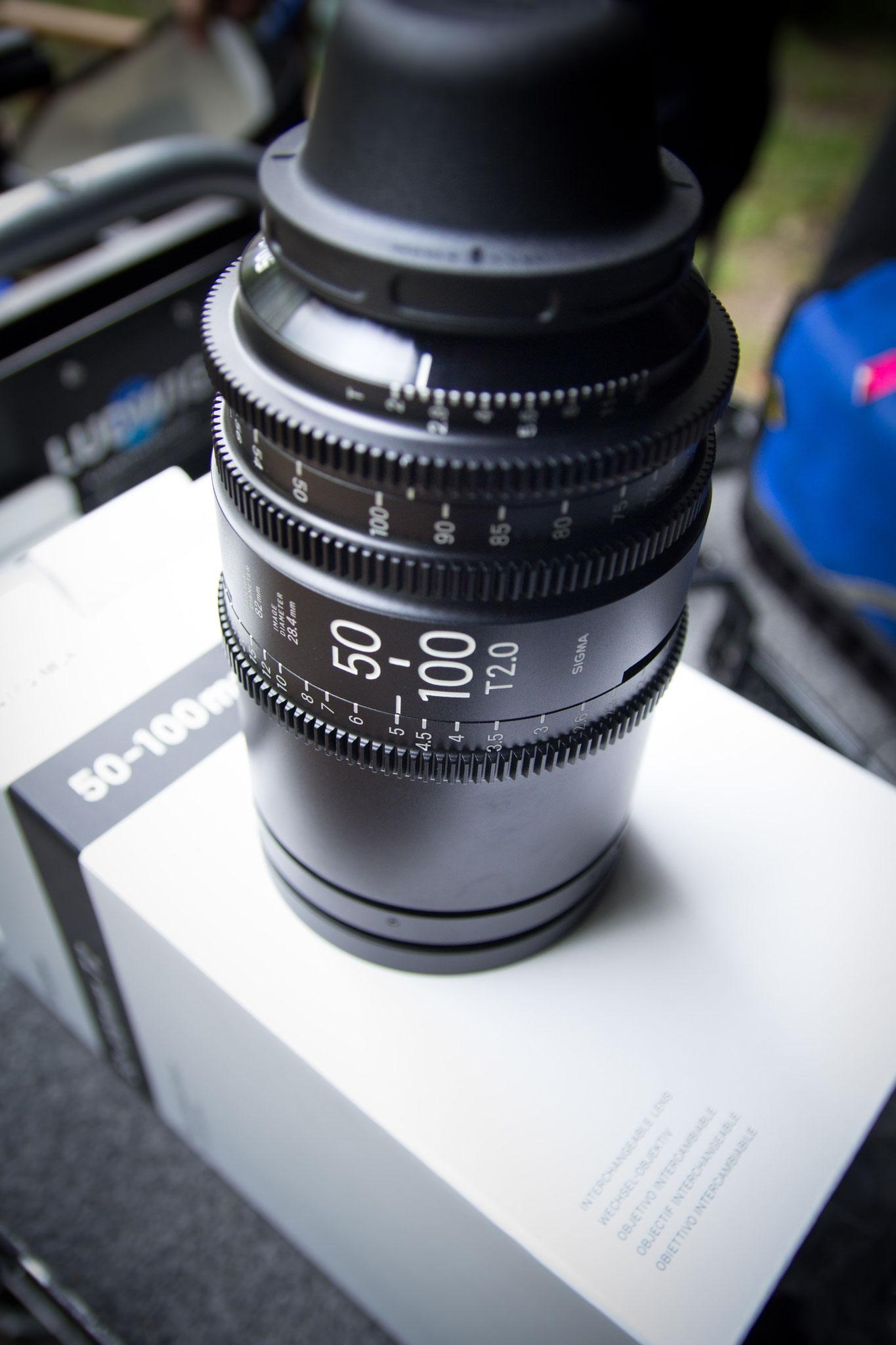 """Ganz frisch vom Hersteller bekamen wir das wunderbare Sigma 50-100mm T2.0 mit PL-Fassung ans Set von """"Dschermeni"""". Das Bokeh ist einfach grandios!"""