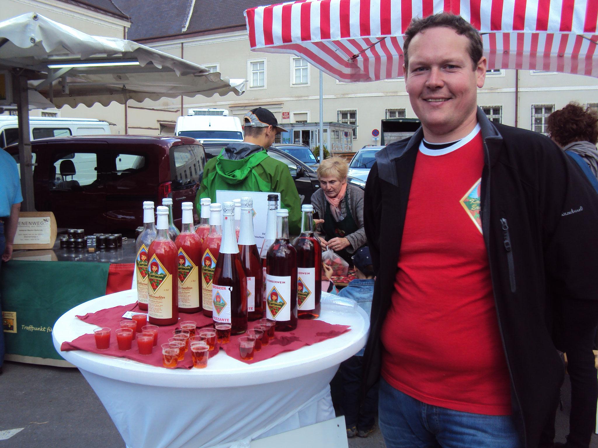 Markttag in St. Pölten/Domplatz: Diesmal inkl. Verkostung unserer Erdbeergetränke