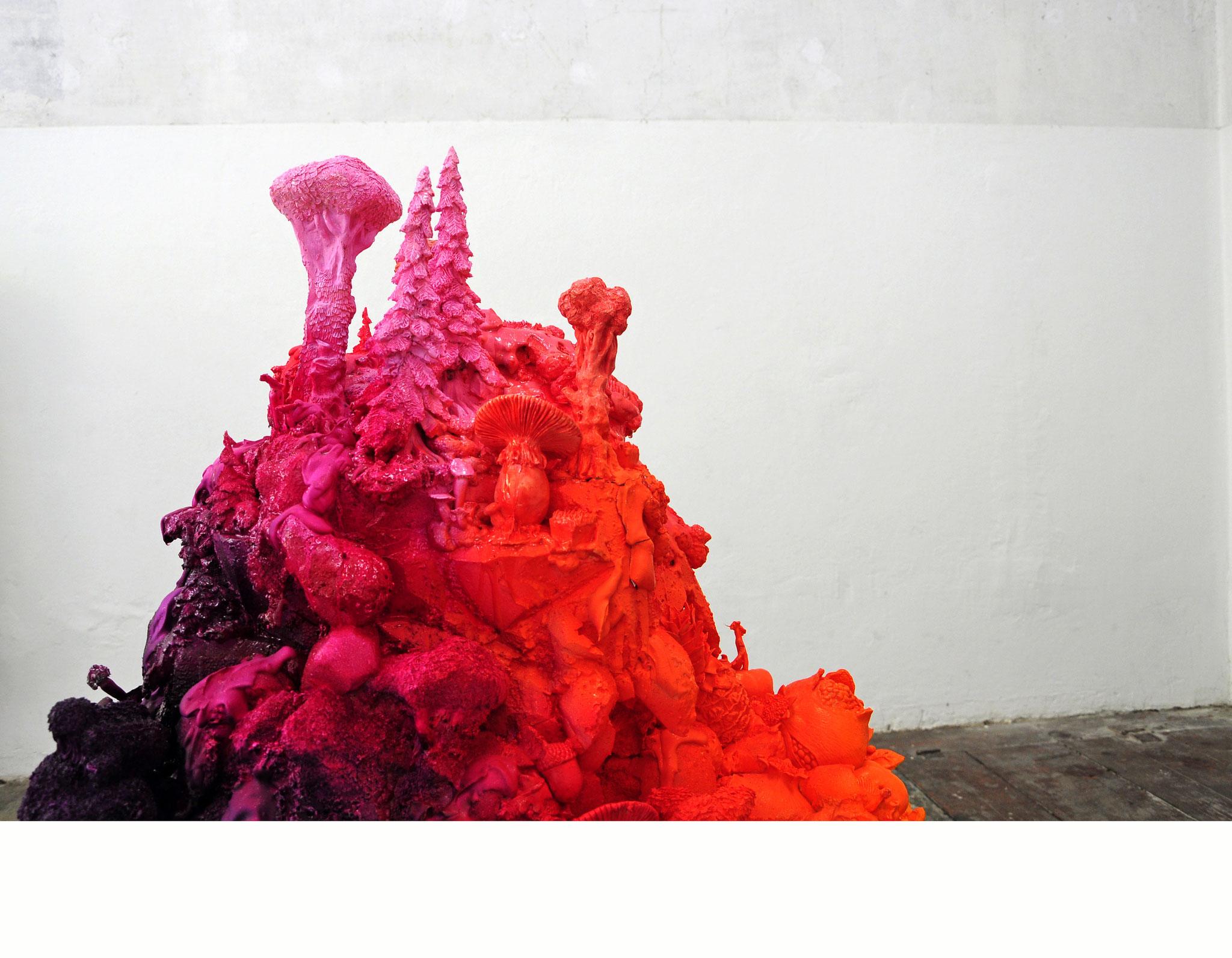 """Und irgendwo im Wald lacht ein Fuchs"" (Detail), 2017, polymer, styropor, PU-foam, plaster, color, 120x100x70cm (Foto: Mareike Jacobi)"