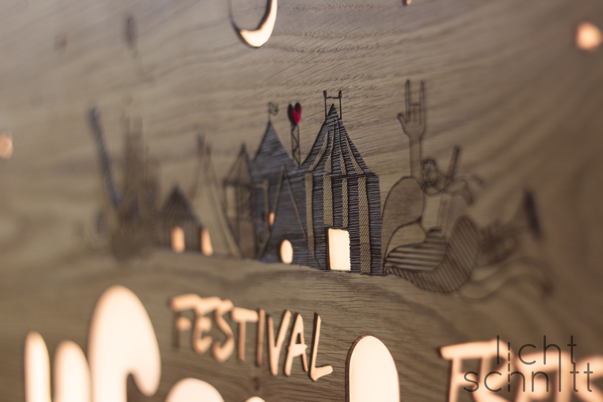 Leuchtschild für Uferlos Festival Freising | Auftragsarbeit