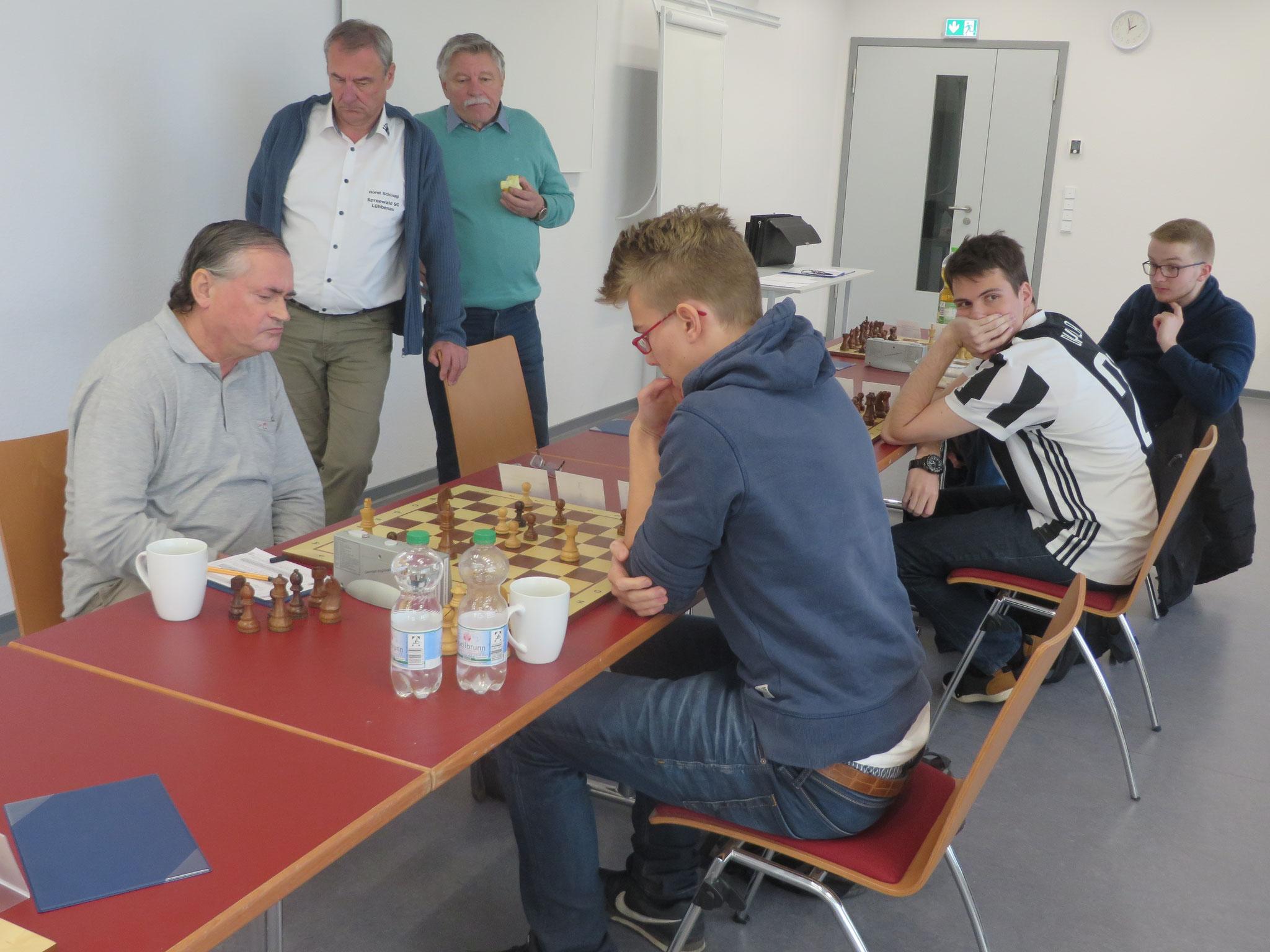 Beim Stand von 0,5-2,5 ist das Match zwar schon zugunsten des SC Empor Potsdam entschieden, aber Jürgen kämpft noch tapfer
