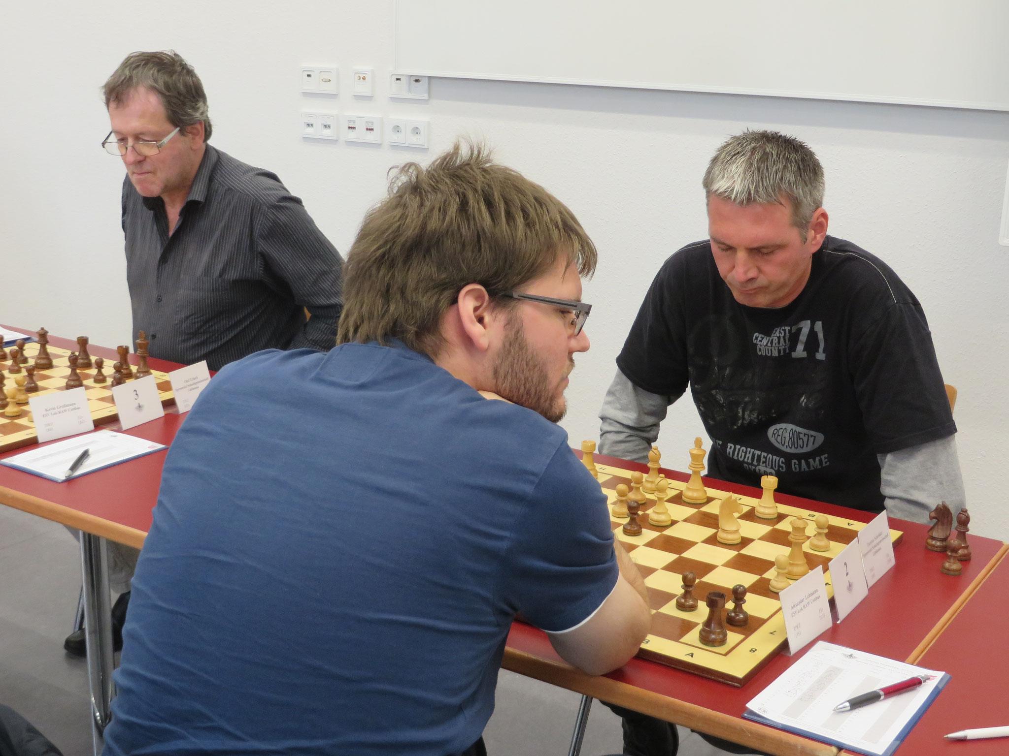 Brett 2 (Torsten Schröder rechts) und Brett 3 (Olaf Erlach links) der 1. Mannschaft
