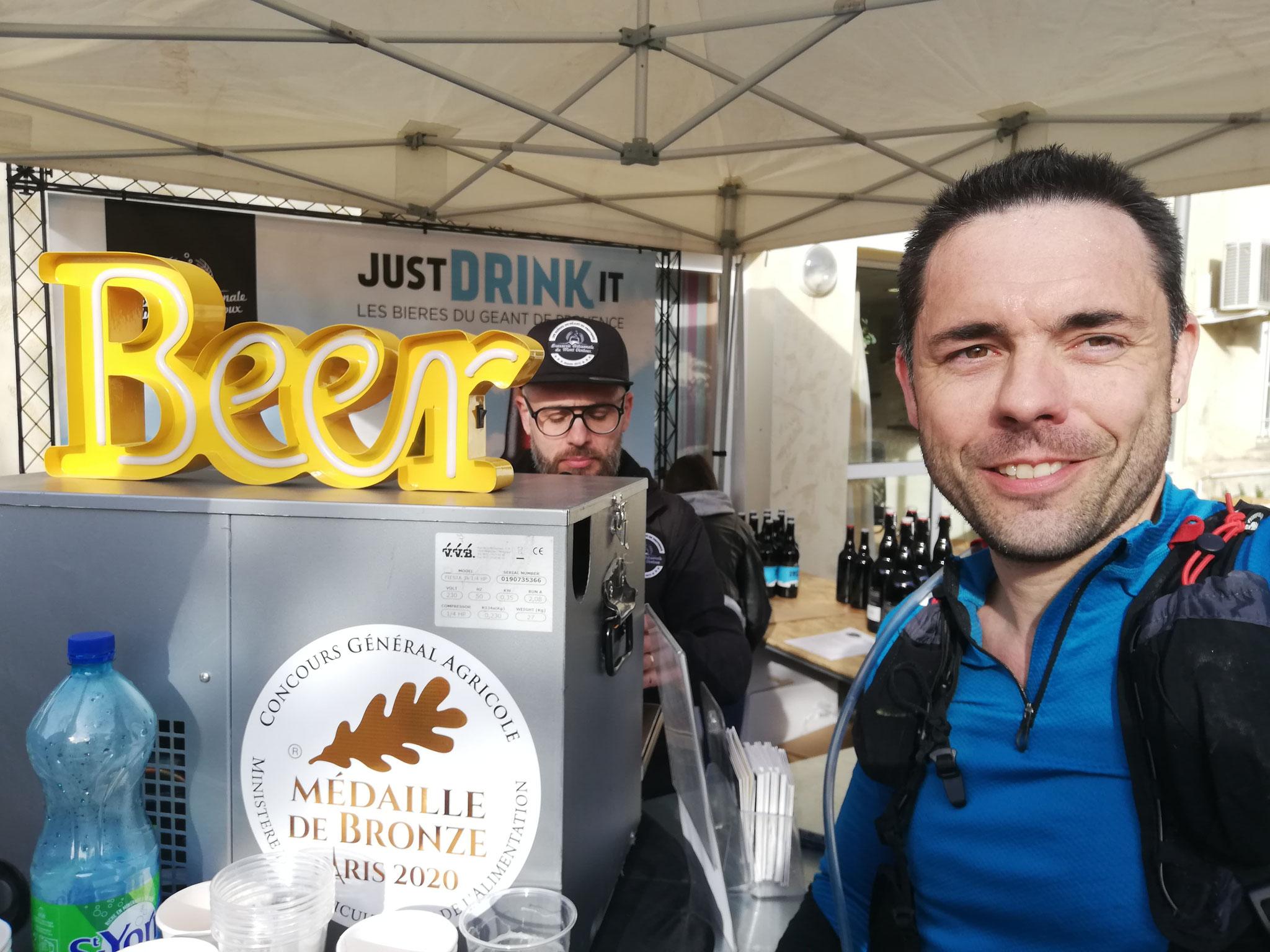 25-Christophe (Tacnet) en a fini aussi et attaque la bière