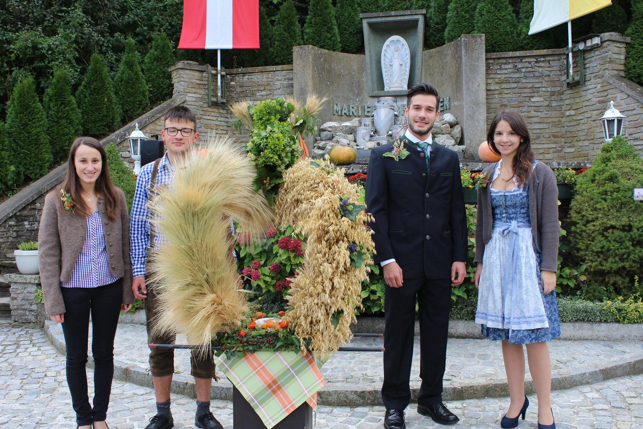 Erntedankfest 2017, die Krone beim Marienbrunnen (Maria Erasmus)