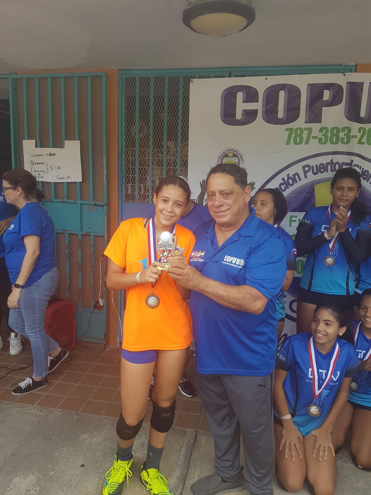 LA JOVEN JANELIS LOPEZ MVP EN 13 Y 14 AÑOS
