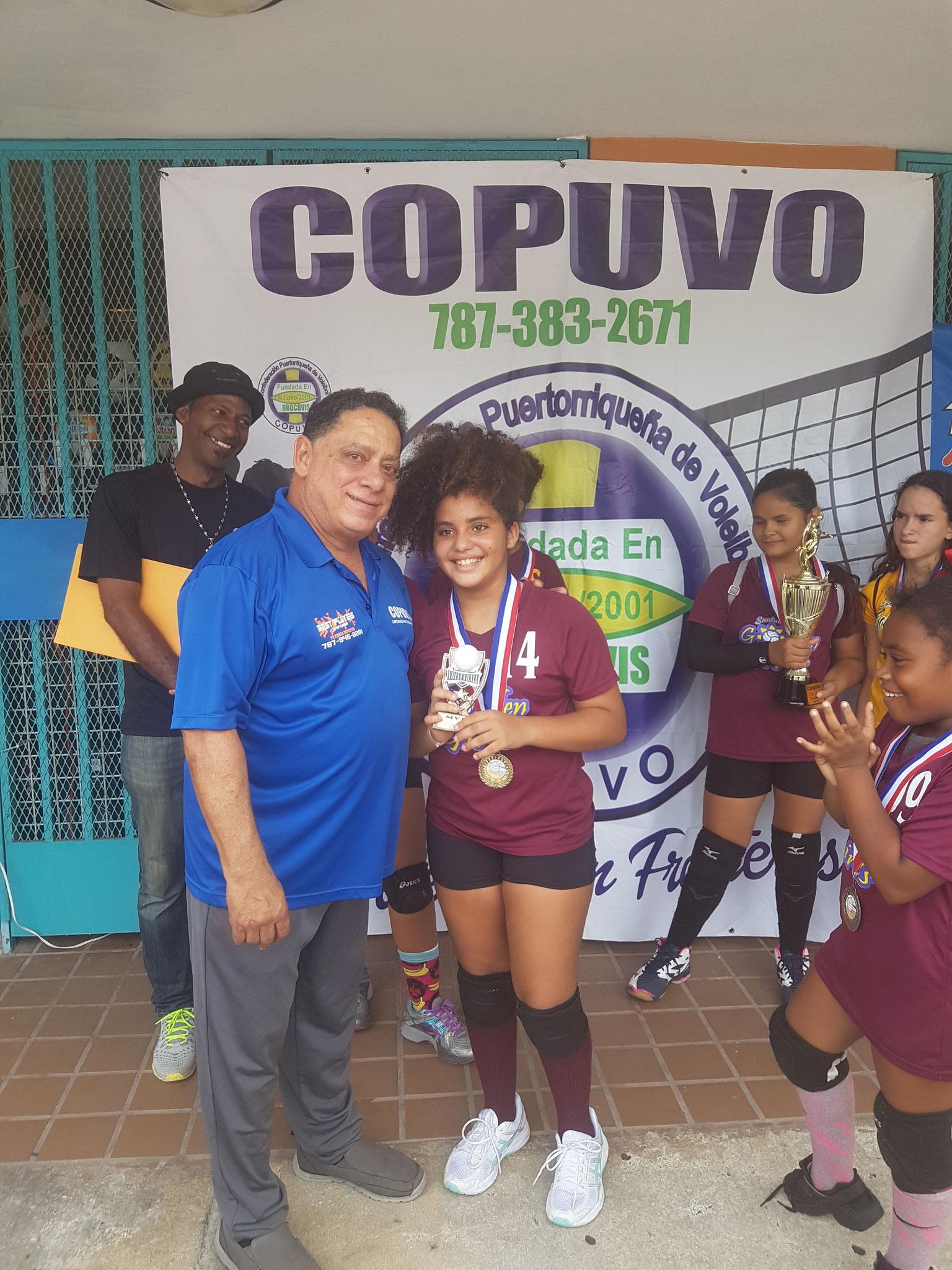 LA NIÑA VALERIS MARRERO MVP CATEGORÍA 9 Y 10 ÑOS