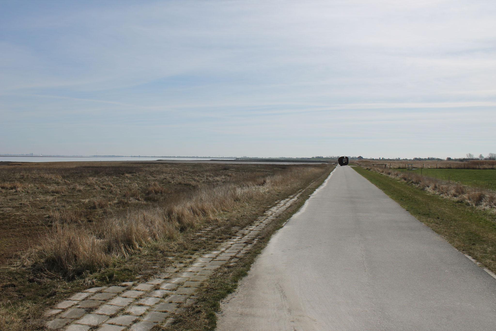 Weg an der Nordsee Richtung Burhave