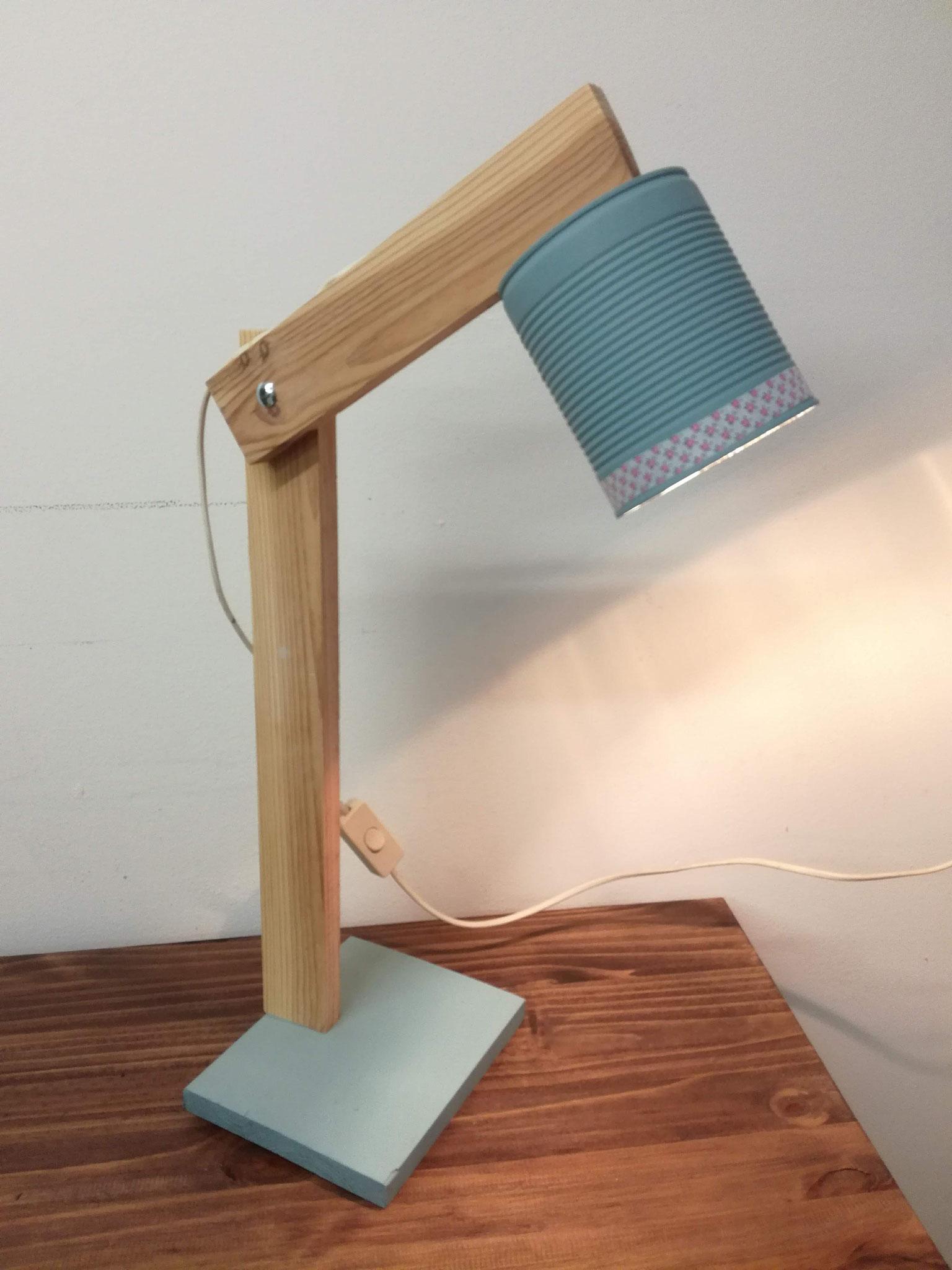 Exemple d'objet déco-récup fabriqué pour les ateliers à Grande Synthe