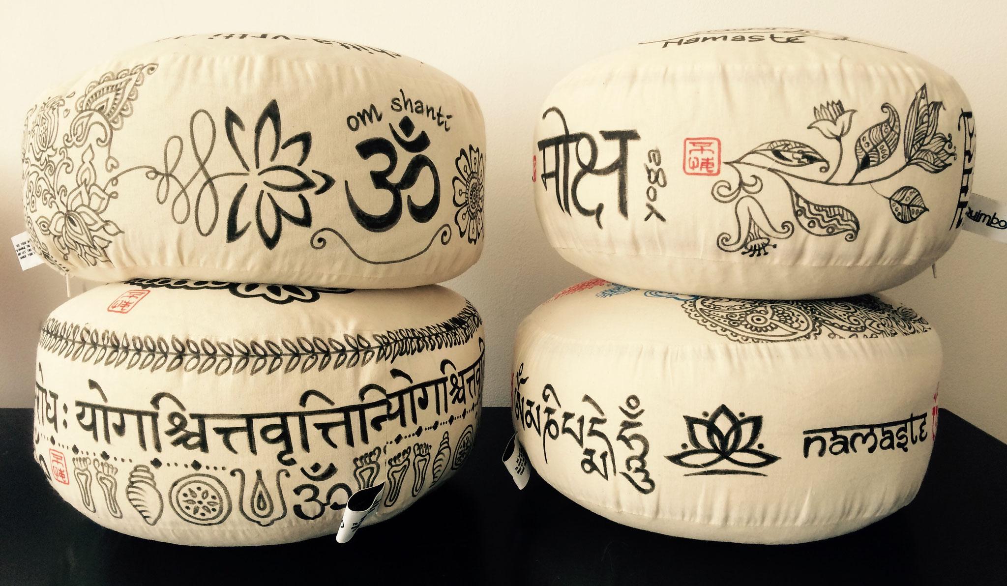 Meditatiekussens met handmatige decoraties