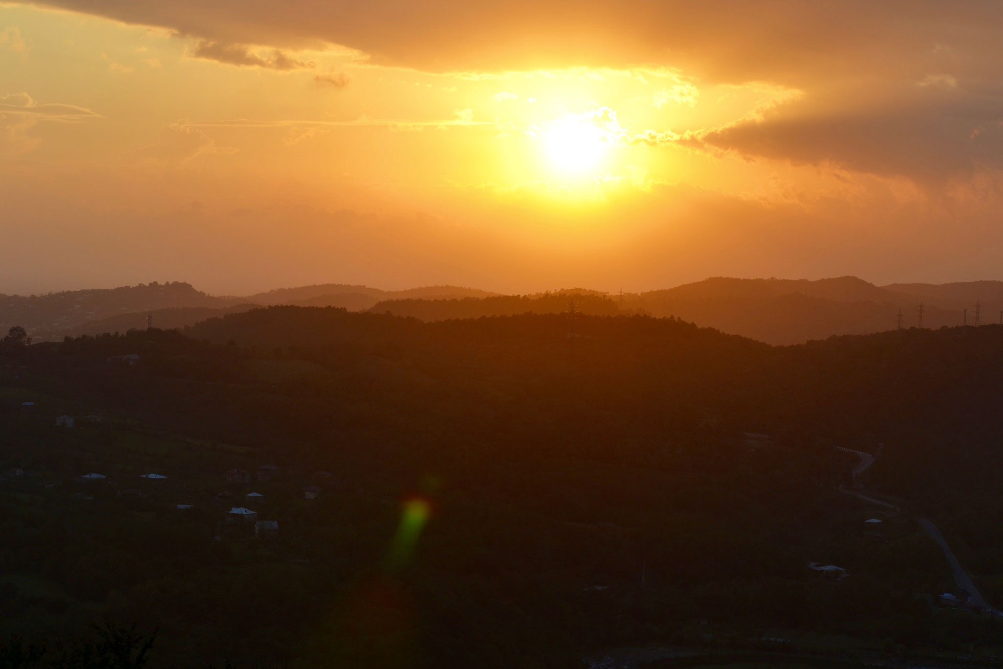 Sonnenuntergang vor dem UNESCO-Weltkulturerbe Kloster Gelati