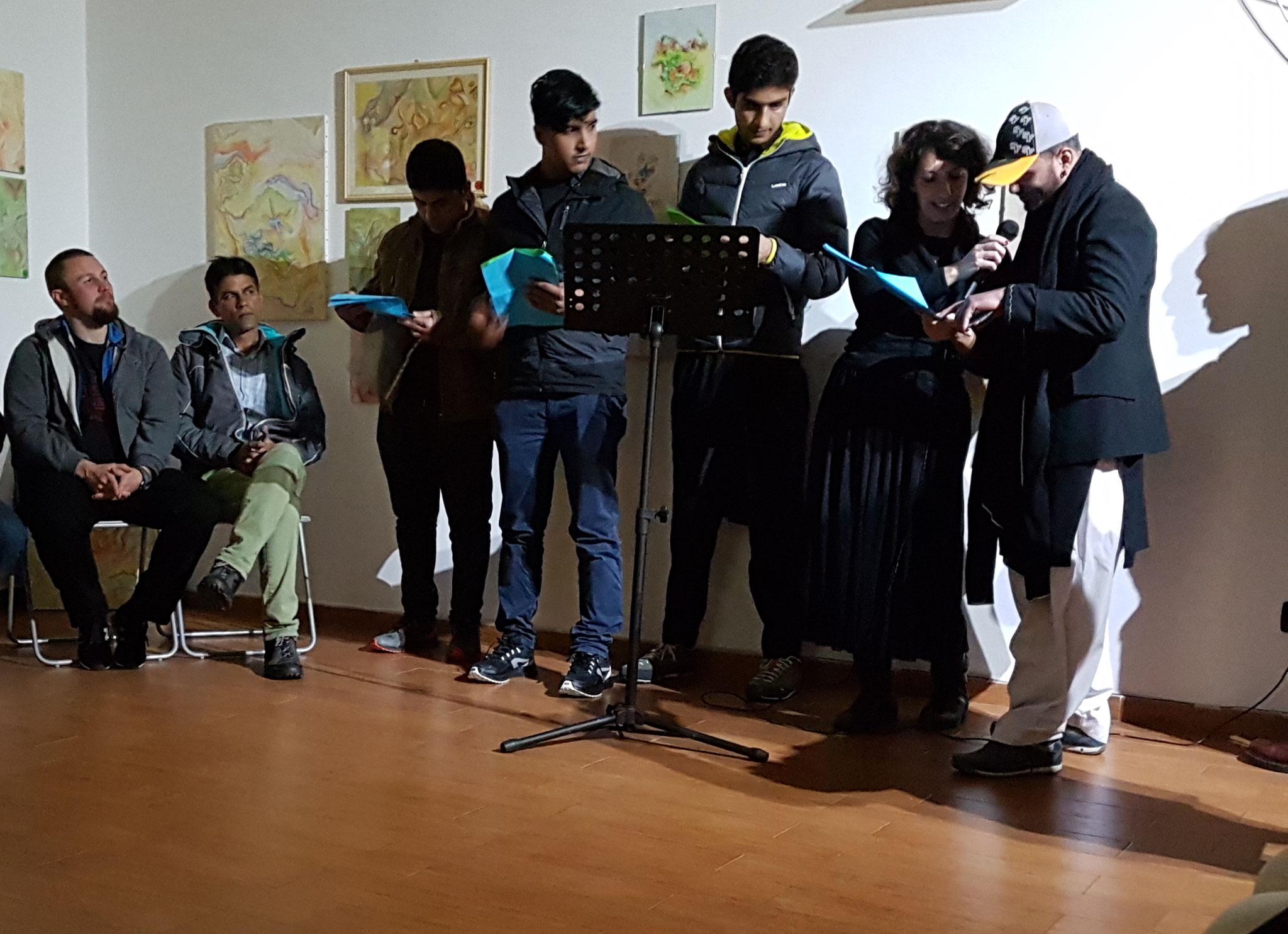 Foto di Marco Iacuaniello - PASSAGGI IN CORTILE - Aperitivo Italo-Pakistano 2017