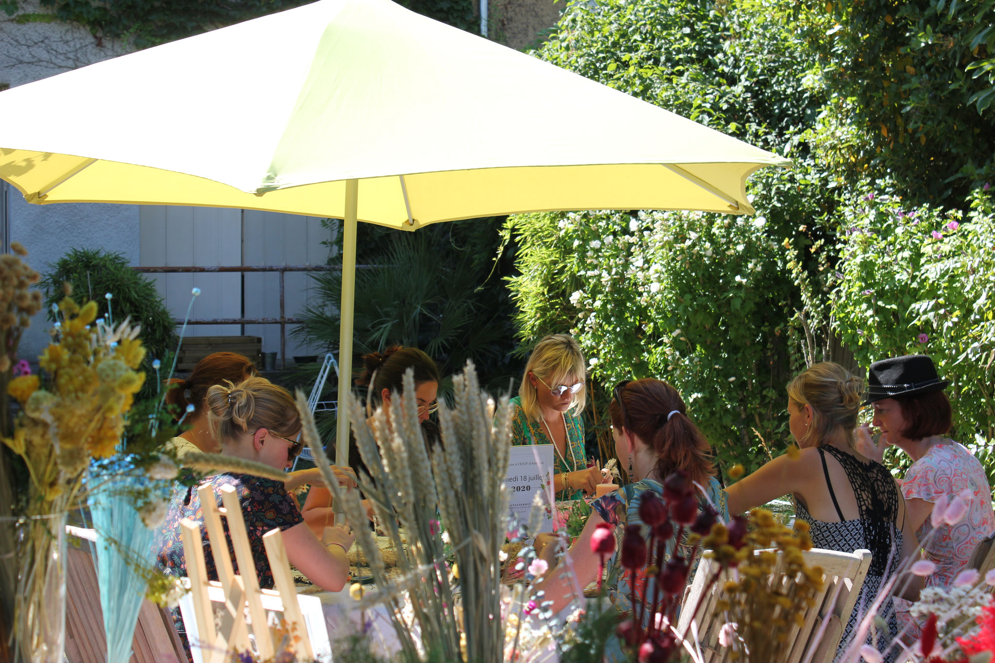 Atelier DIY EVJF couronne de fleurs séchées