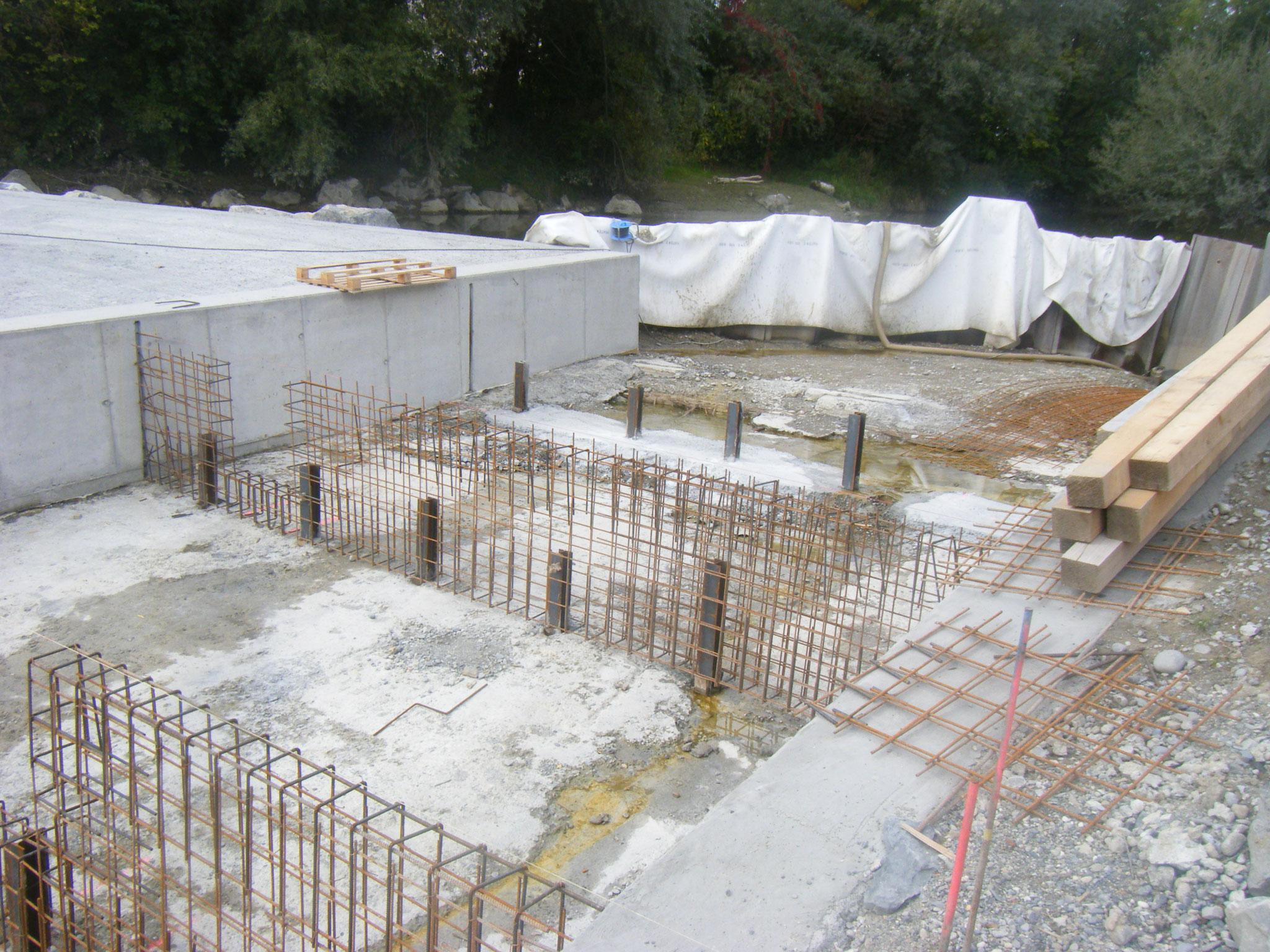 Vorbereitung für die betonierten Querverbauungen im oberen Teil der Rampe