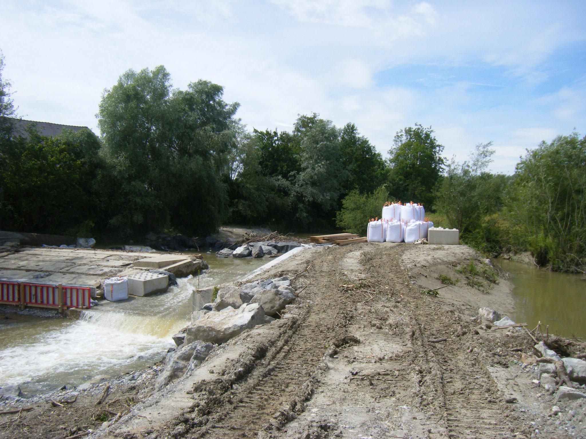 am 3.7. hat sich die Rotach wieder beruhigt, aber man sieht die Zerstörungen, die sie an den Bauarbeiten verursacht hat.