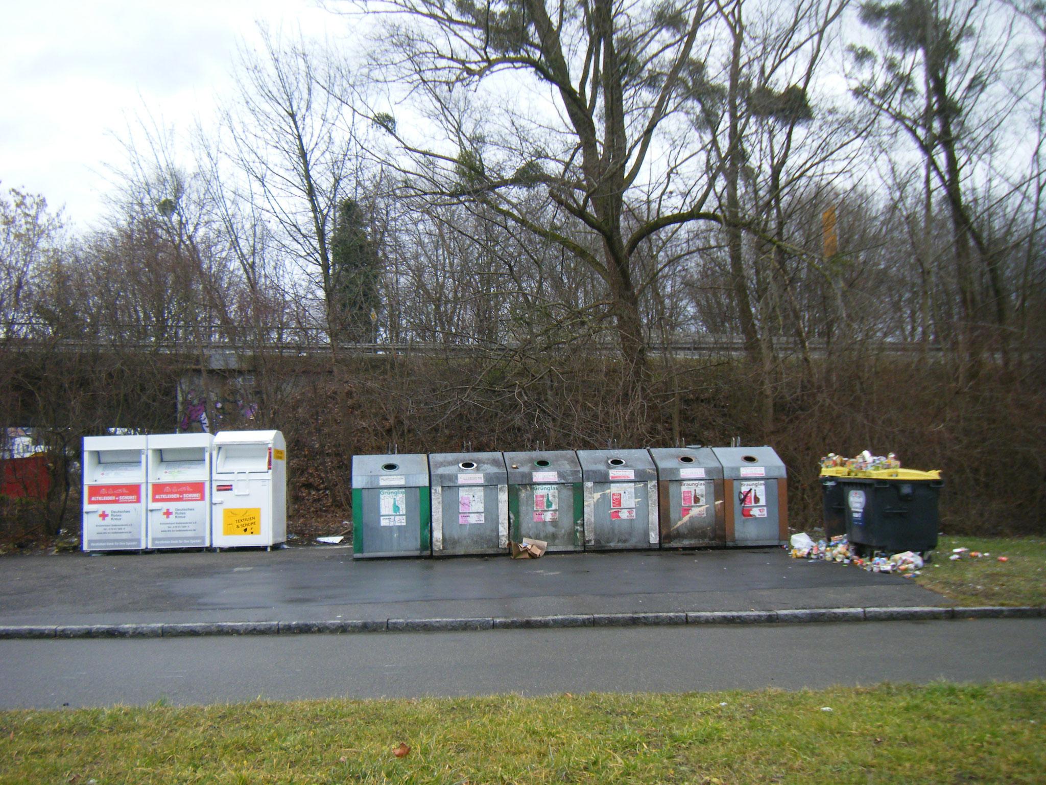 Die Recycling-Container am Sammelplatz Kitzenwiese