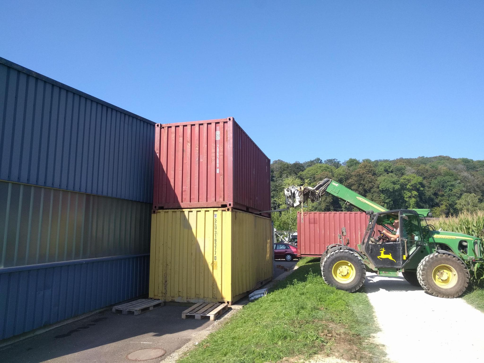 Seecontainer sind in Thayngen bei Müller Diesnstleistungen GmbHn angekommen angekommen.