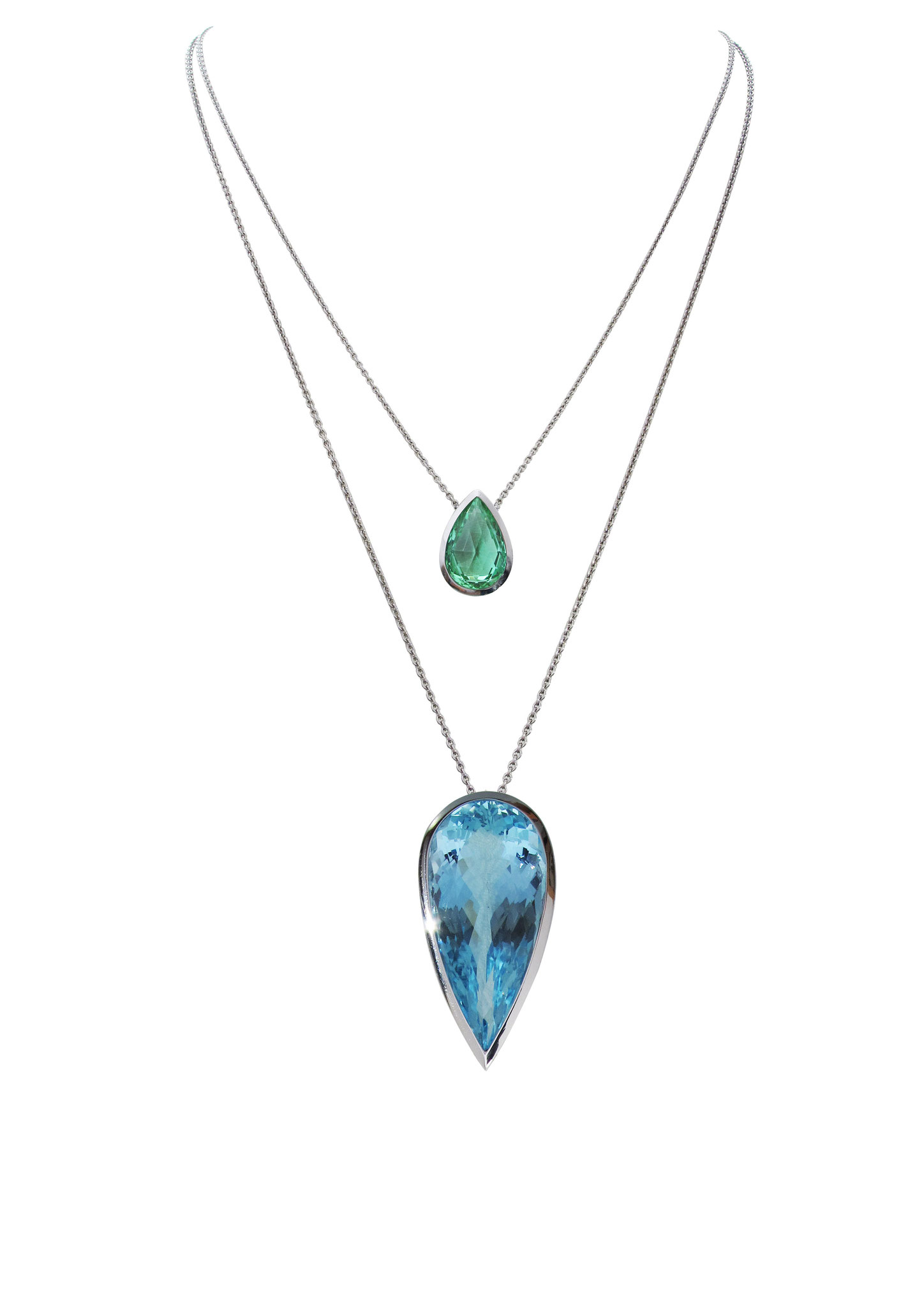 Platinkette mit mintfarbigen Turmalin 5,17 carat 4.700 Euro , Platinkette mit Aquamarinanhänger 38,9 carat Preis auf Anfrage