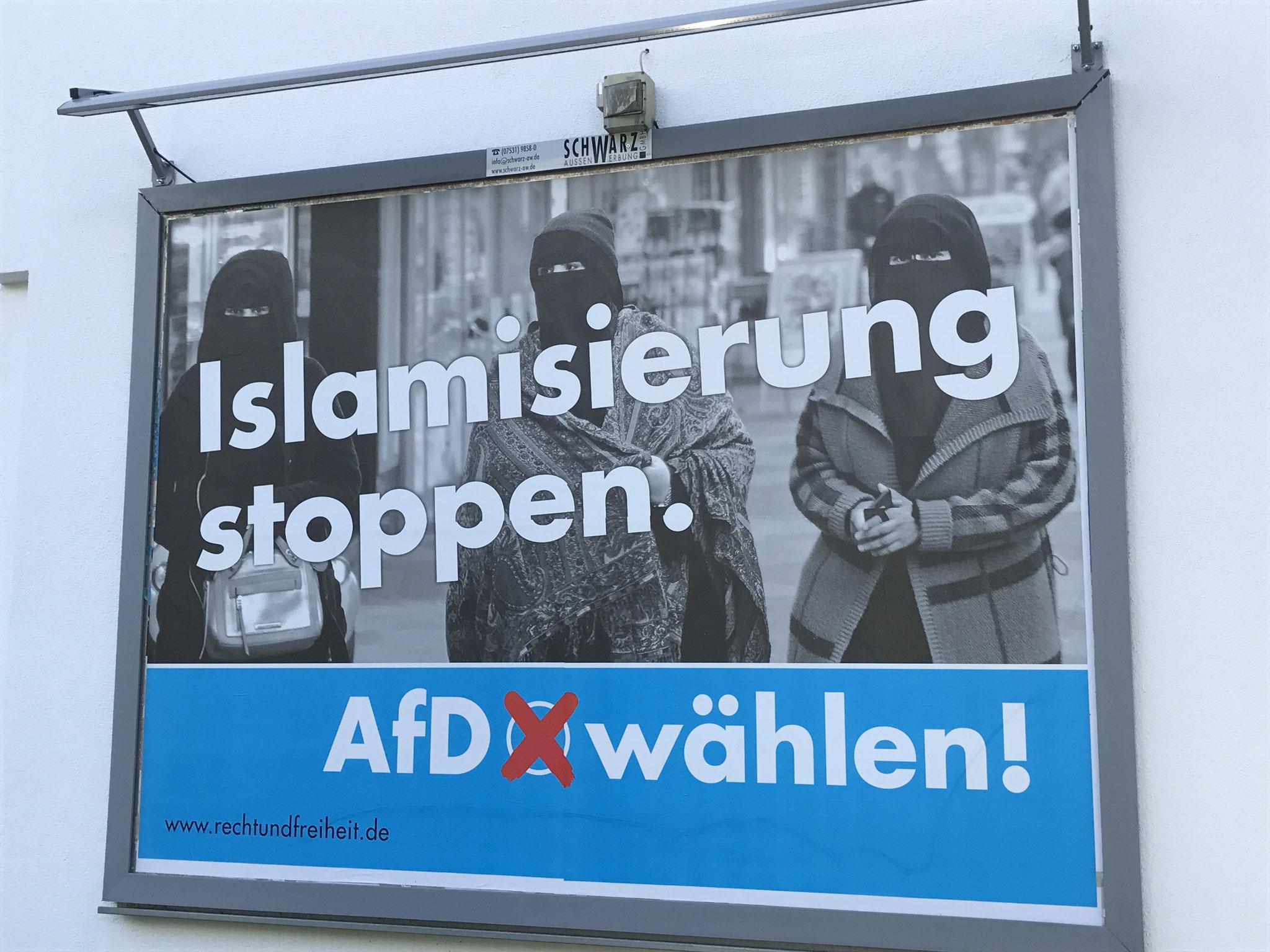 ¨Pare a islamização.¨