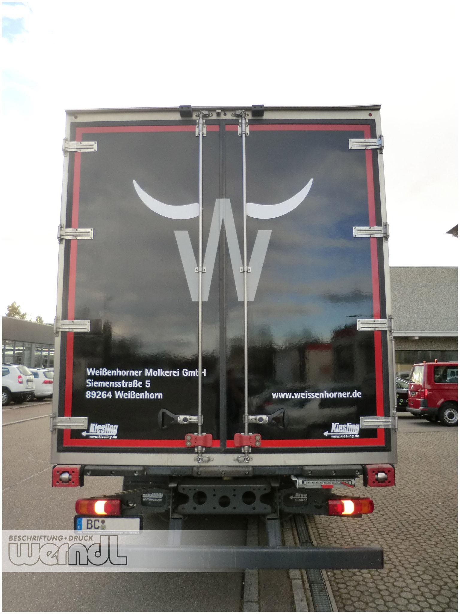 Klassische LKW-Folienbeschriftung