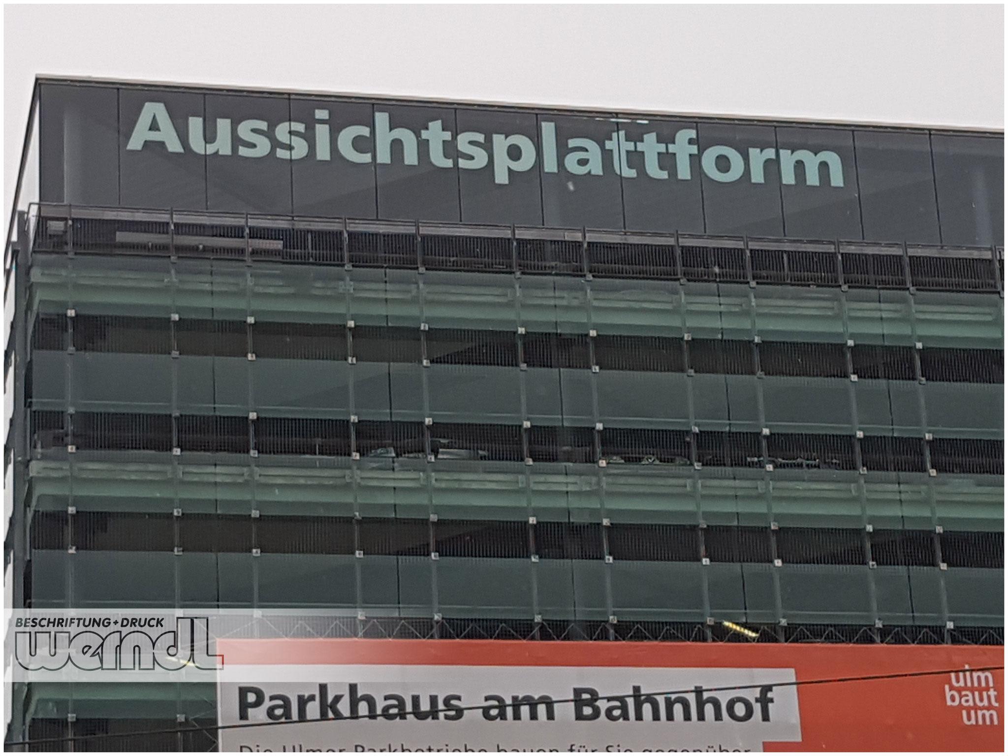 XXL-Schaufenster am Deutschhaus Parkhaus