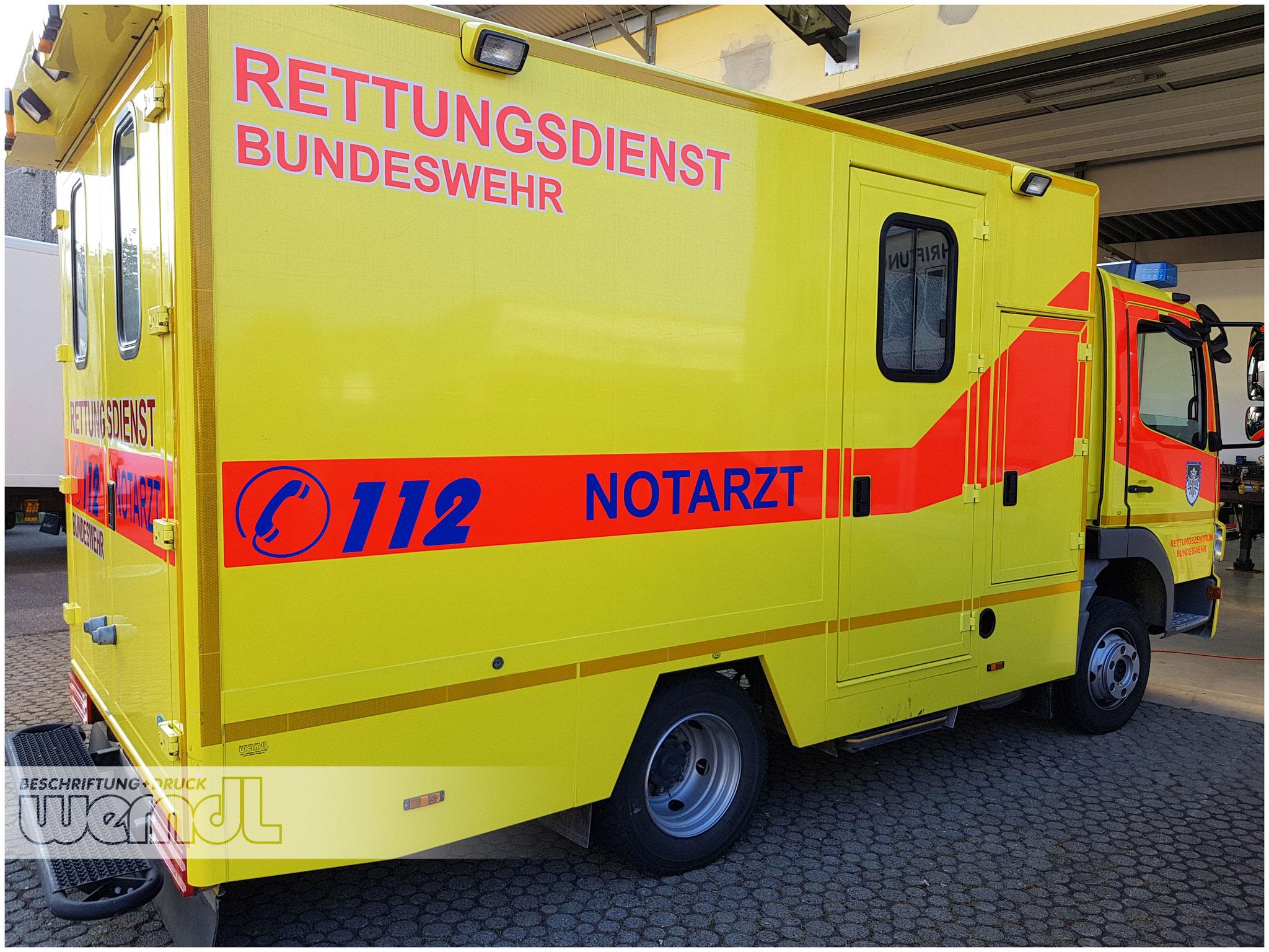 Rettungsdienst LKW  Beschriftung mit Reflex Materialien